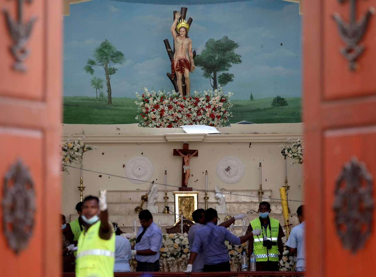 Μία από τις εκκλησίες που χτυπήθηκαν ήταν του Αγίου Σεβαστιανού στο Νεγκόμπο