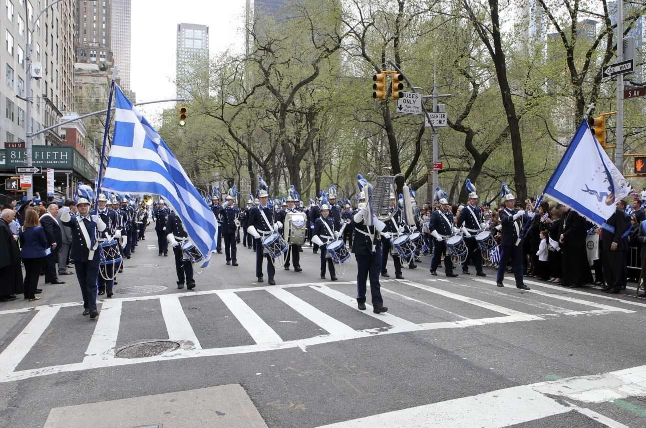 Πάνω από 100 οργανισμοί και φορείς παρέλασαν στο κέντρο της Νέας Υόρκης