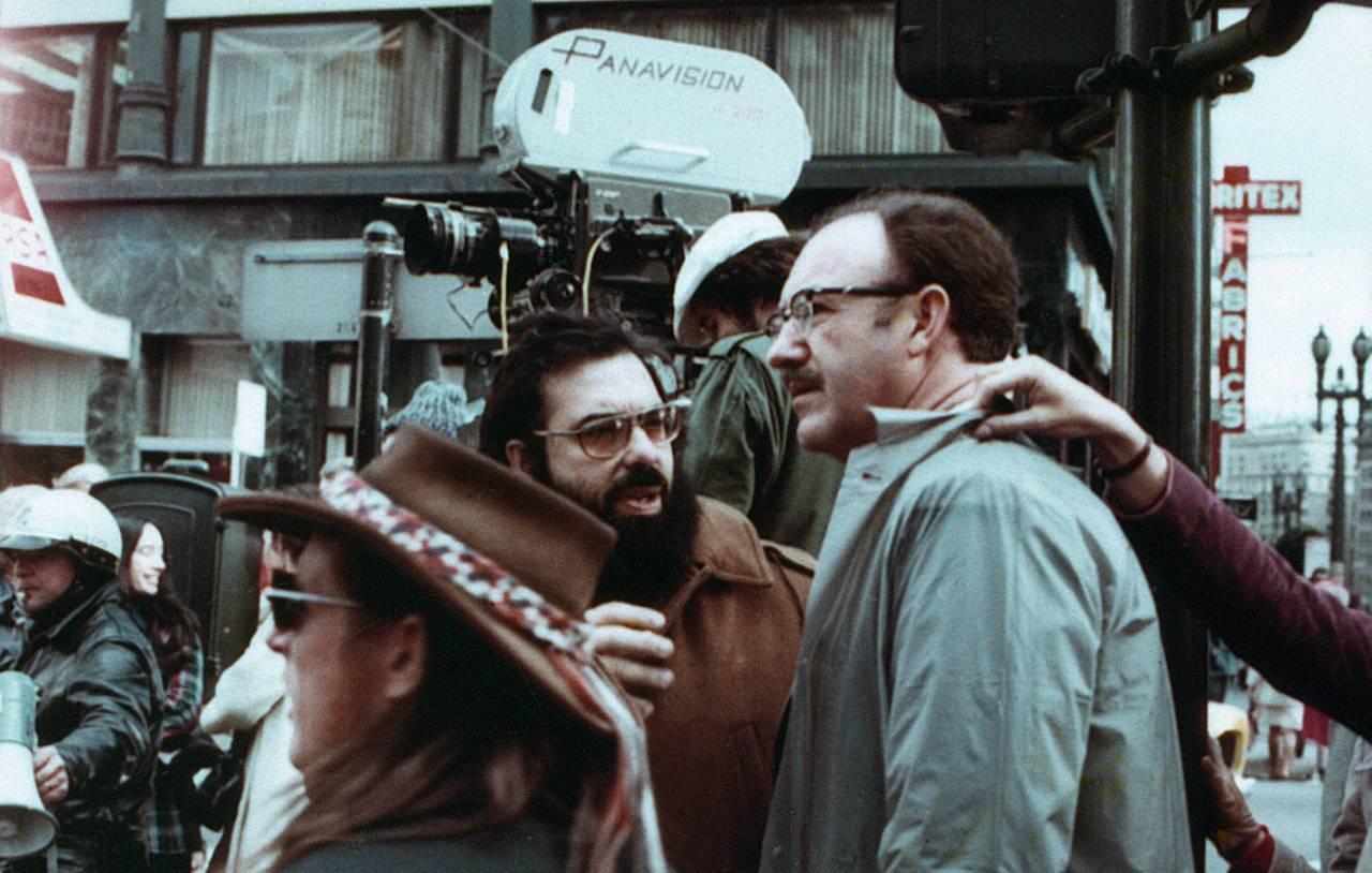 Ο Κόπολα με τον Τζιν Χάκμαν στα γυρίσματα του «The Conversation» (1974). Το φιλμ ήταν υποψήφιο για Οσκαρ Καλύτερης Ταινίας αλλά το έχασε από τον «Νονό ΙΙ», επίσης του Κόπολα