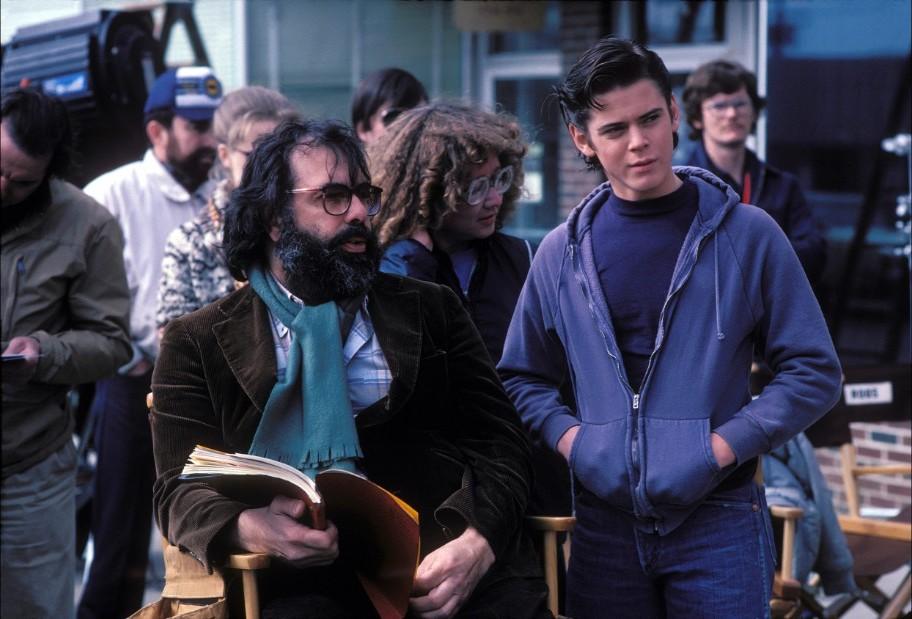 Με τον Σι Τόμας Χάουελ στο «The Outsiders» (1983), το οποίο στην Ελλάδα προβλήθηκε με τον τίτλο «Επαναστάτες χωρίς αύριο»