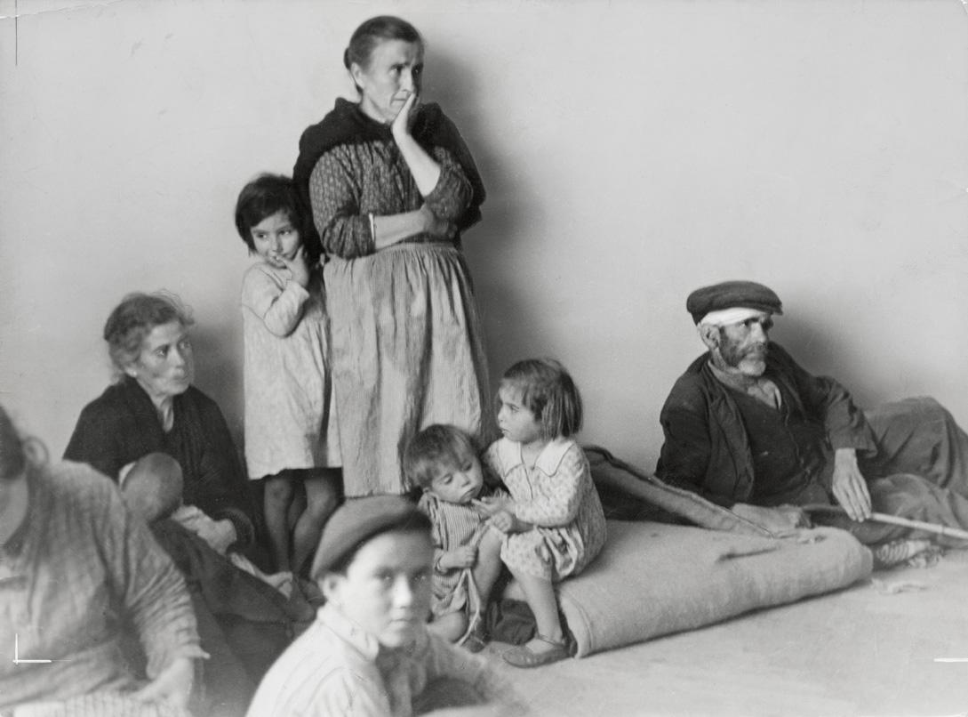 Πρόσφυγες από την Μάλαγα στην Αλμερία της Ισπανίας, τον Φεβρουάριο του 1937
