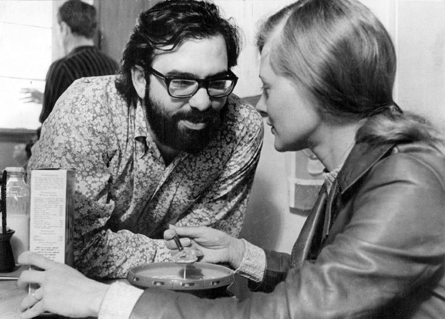 Ο Κόπολα με τη Σίρλεϊ Νάιτ στα γυρίσματα του «The Rain People» (1969) - στην Ελλάδα προβλήθηκε με τον τίτλο «Δεν θα γυρίσω το βράδυ»