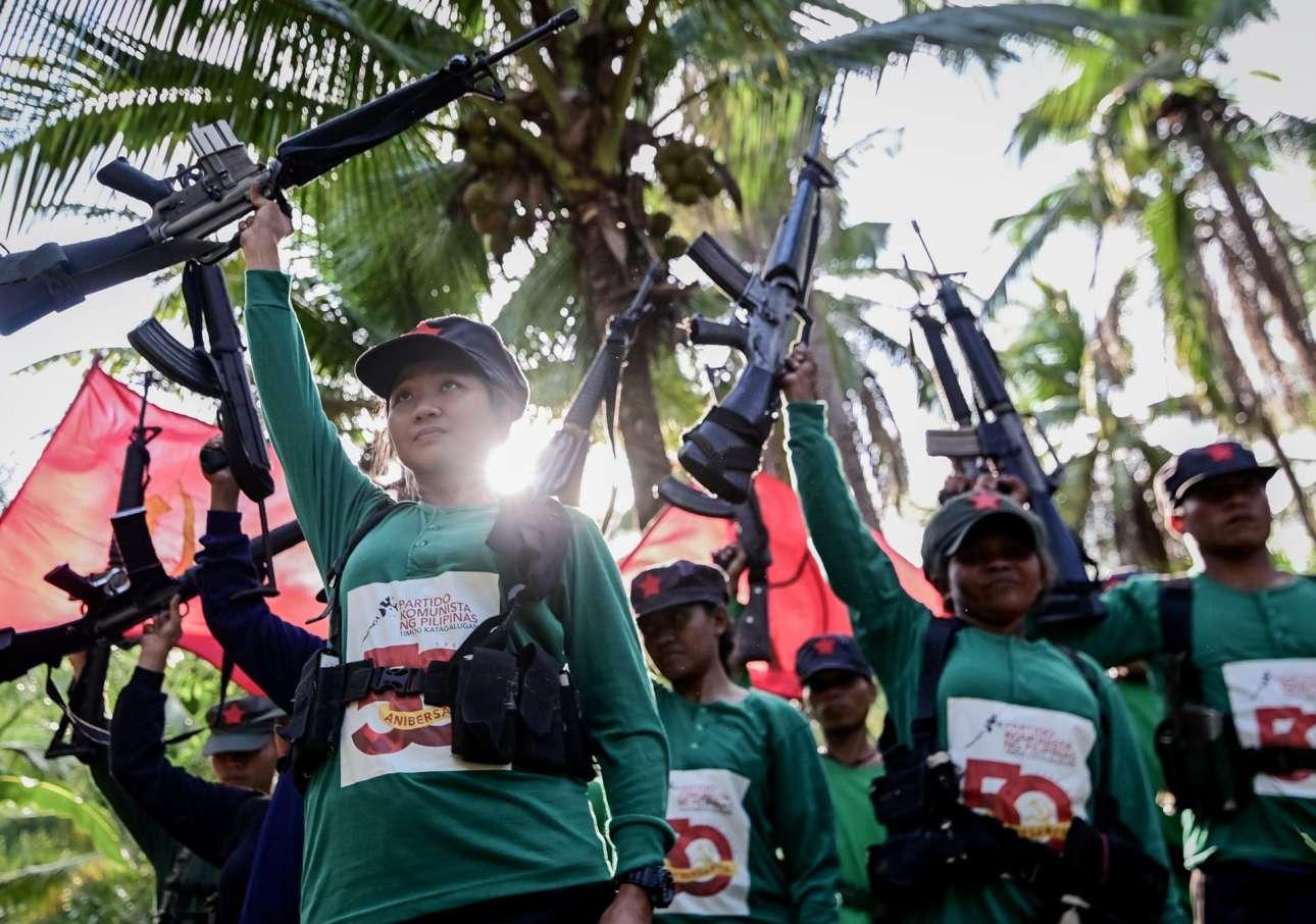 40.000 αγωνιστές και άμαχοι έχουν χάσει τη ζωή τους στην επανάσταση, η οποία έχει σταματήσει την οικονομική ανάπτυξη, ειδικά στην ύπαιθρο, όπου οι στρατιωτικοί λένε ότι περίπου 3500 αντάρτες εξακολουθούν να δραστηριοποιούνται