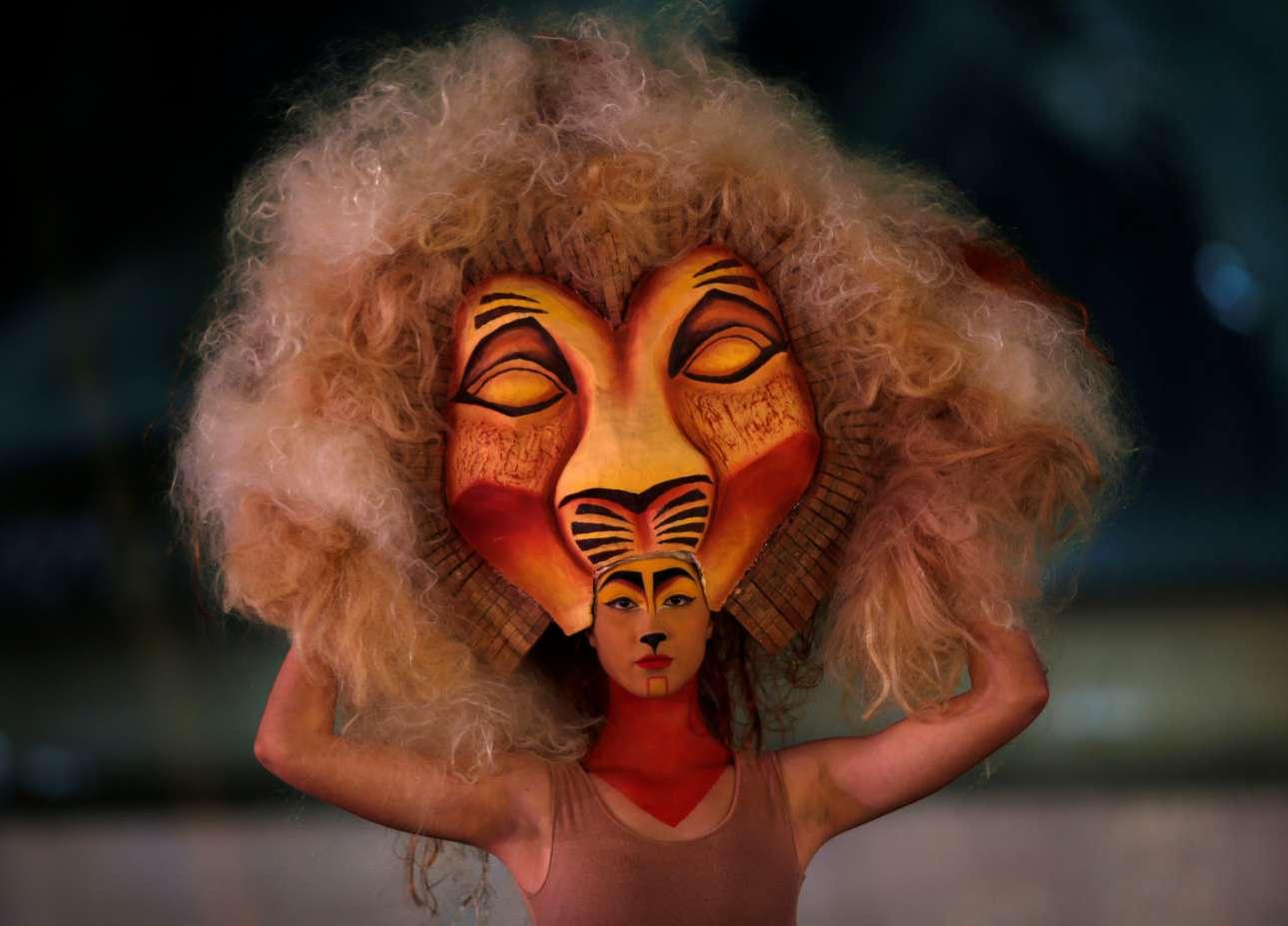 Μοντέλο παρουσιάζει μια δημιουργία της στυλίστριας Φλάβια Ατάρντ Μποργκ κατά την διάρκεια της Εβδομάδας Μόδας στην Βαλέτα της Μάλτας