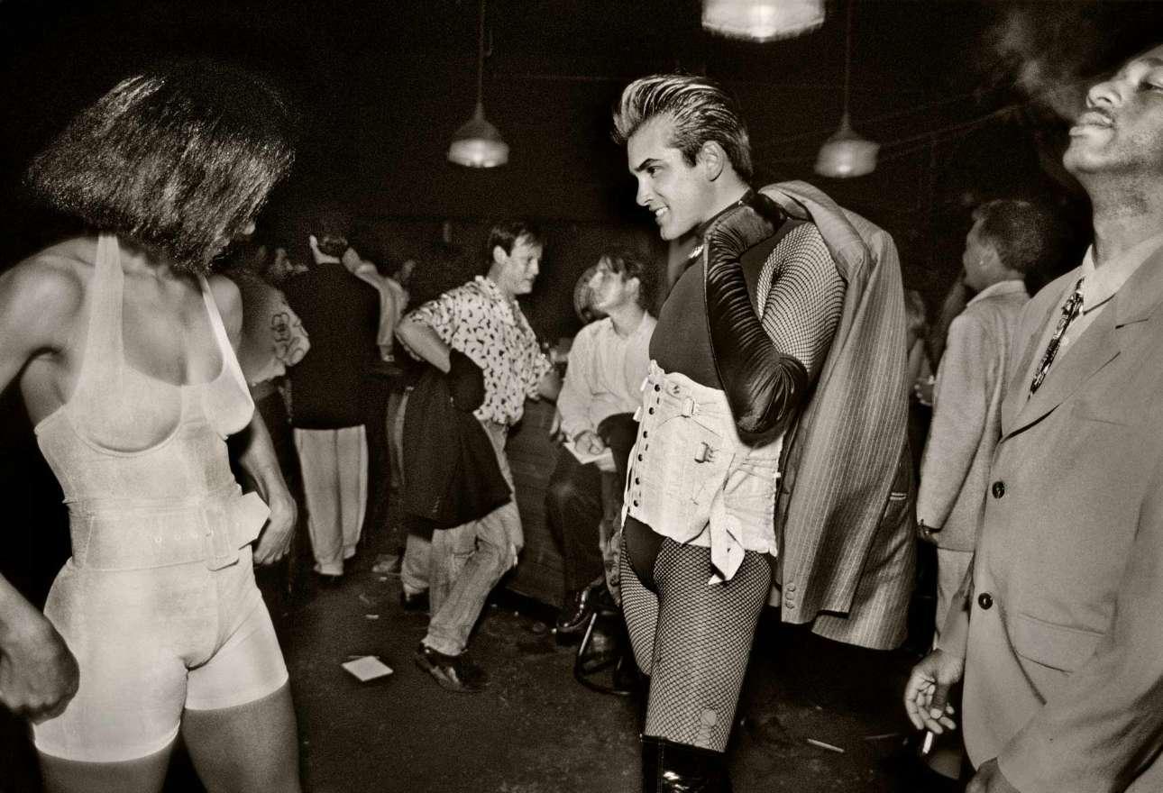 Το πάρτι άνιμαλ Jon Jon Bubblegum (Τζον Τζον Τσιχλόφουσκας) διασκεδάζει με φίλους του στο Σάουθ Μπιτς το 1992