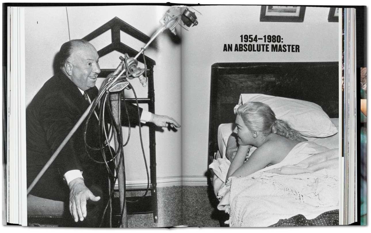 «Δεσμώτης του Ιλίγου», 1958. Οπως και ο πρωταγωνιστής της ταινίας, έτσι και ο Χίτσκοκ ήθελε να διαπλάθει τις γυναίκες ηθοποιούς στο ιδανικό της ψυχρής ξανθιάς που είχε στο μυαλό του. Στη φωτογραφία, η Κιμ Νόβακ δέχεται σκηνοθετικές οδηγίες από τον εμφανώς καλοδιάθετο Χίτσκοκ