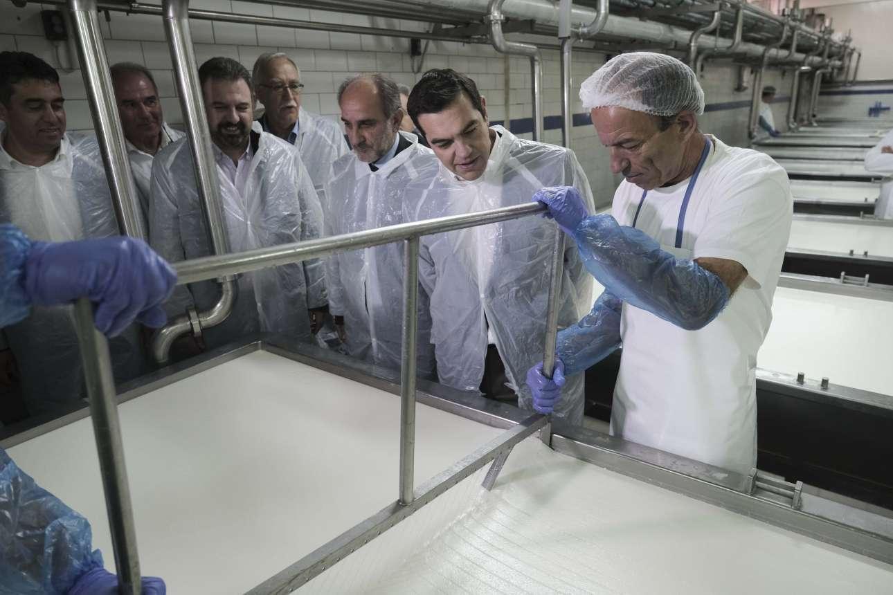 Δεκέμβριος 2018. Επιθεωρεί τις εγκαταστάσεις του γαλακτοκομικού συνεταιρισμού Καλαβρύτων