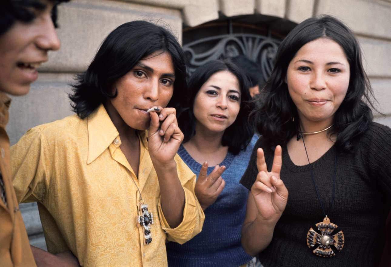 Σαντιάγκο, Χιλή, 1971. Οι εικόνες του Βαν ντερ Ελσκεν από τα ταξίδια και τους φίλους του θεωρούνται προάγγελος του έργου των διάσημων φωτογράφων Λάρι Κλαρκ και Ναν Γκόλντιν