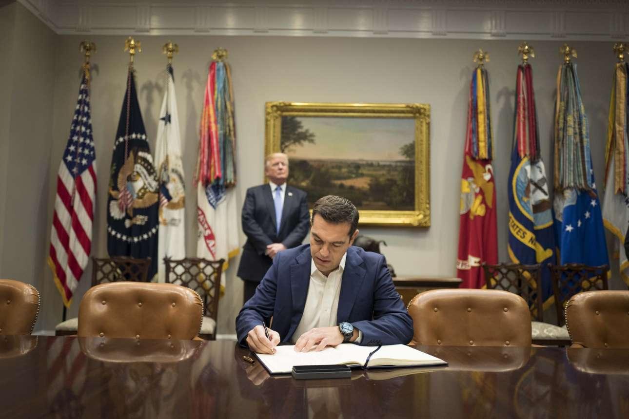 Οκτώβριος 2017. Ισως η πιο χαρακτηριστική εικόνα από την επίσκεψη του Αλέξη Τσίπρα στον Λευκό Οίκο