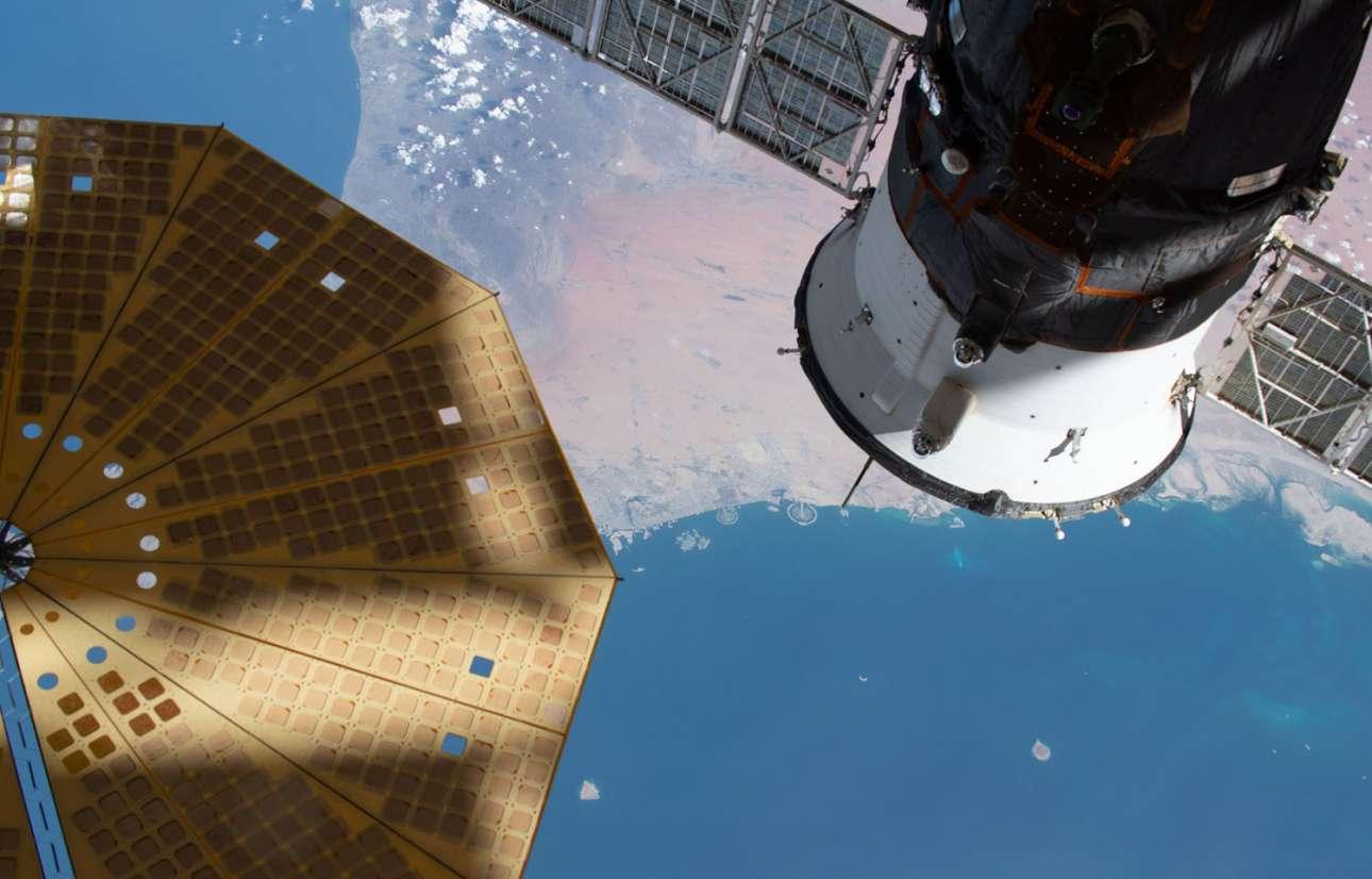 29 Μαΐου 2019. Αναζητώντας τις ακτές του Ντουμπάι από τον Διεθνή Διαστημικό Σταθμό