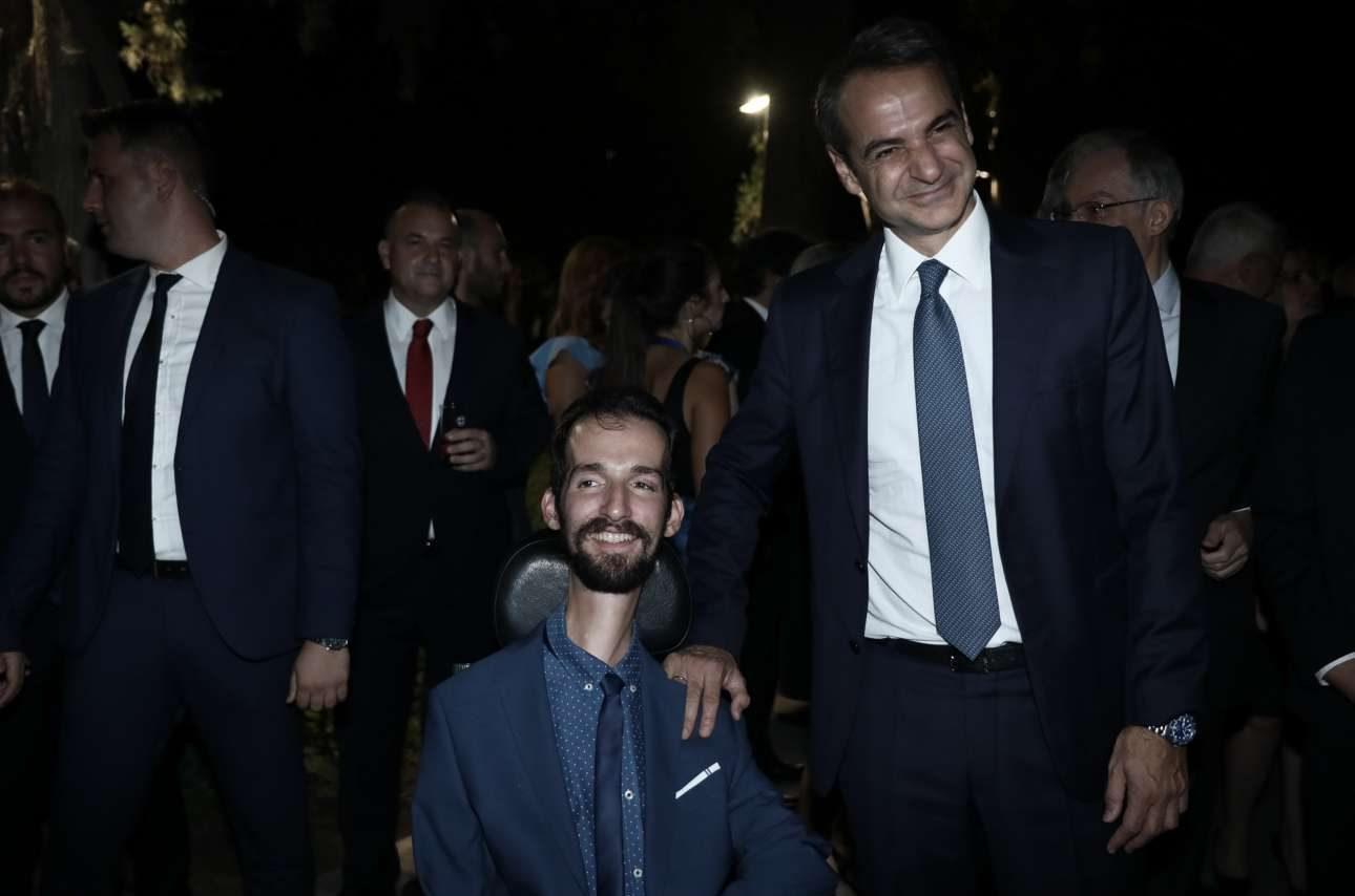 Ο Πρωθυπουργός με τον ευρωβουλευτή της ΝΔ Στέλιο Κυμπουρόπουλο
