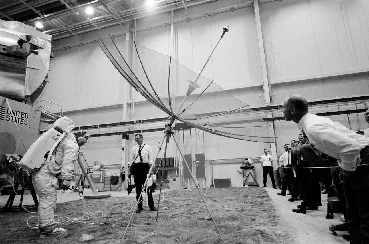 Εκπαίδευση και προσομοιώσεις στο Διαστημικό Κέντρο Κένεντι, πριν από τη μεγάλη αποστολή