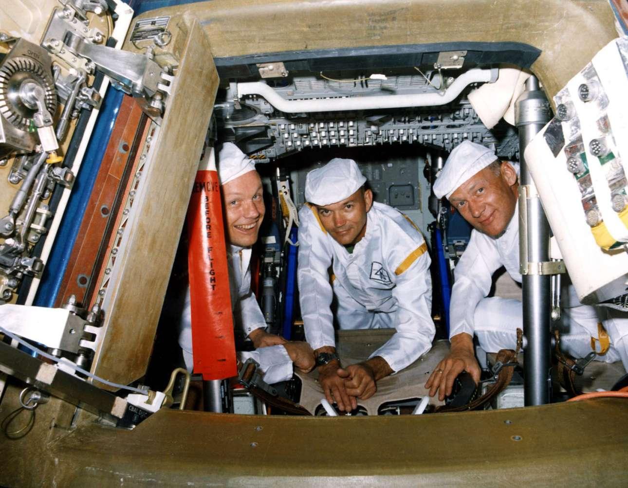 Μία αναμνηστική φωτό για τα τρία μέλη της αποστολής, στς 10 Ιουνίου του 1969