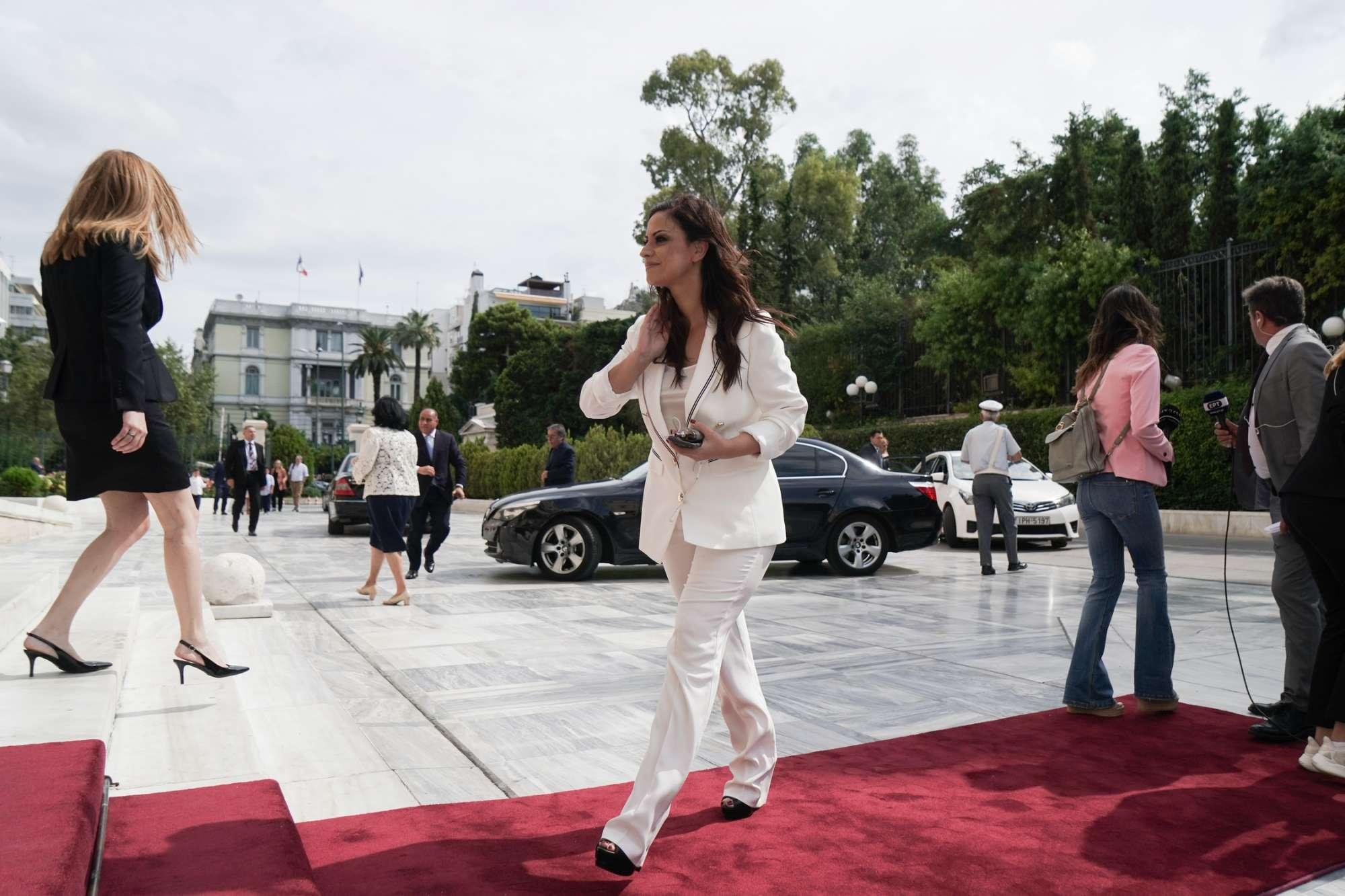 Η βουλευτής του ΣΥΡΙΖΑ Ραλλία Χρηστίδου στην πρεμιέρα της στη Βουλή