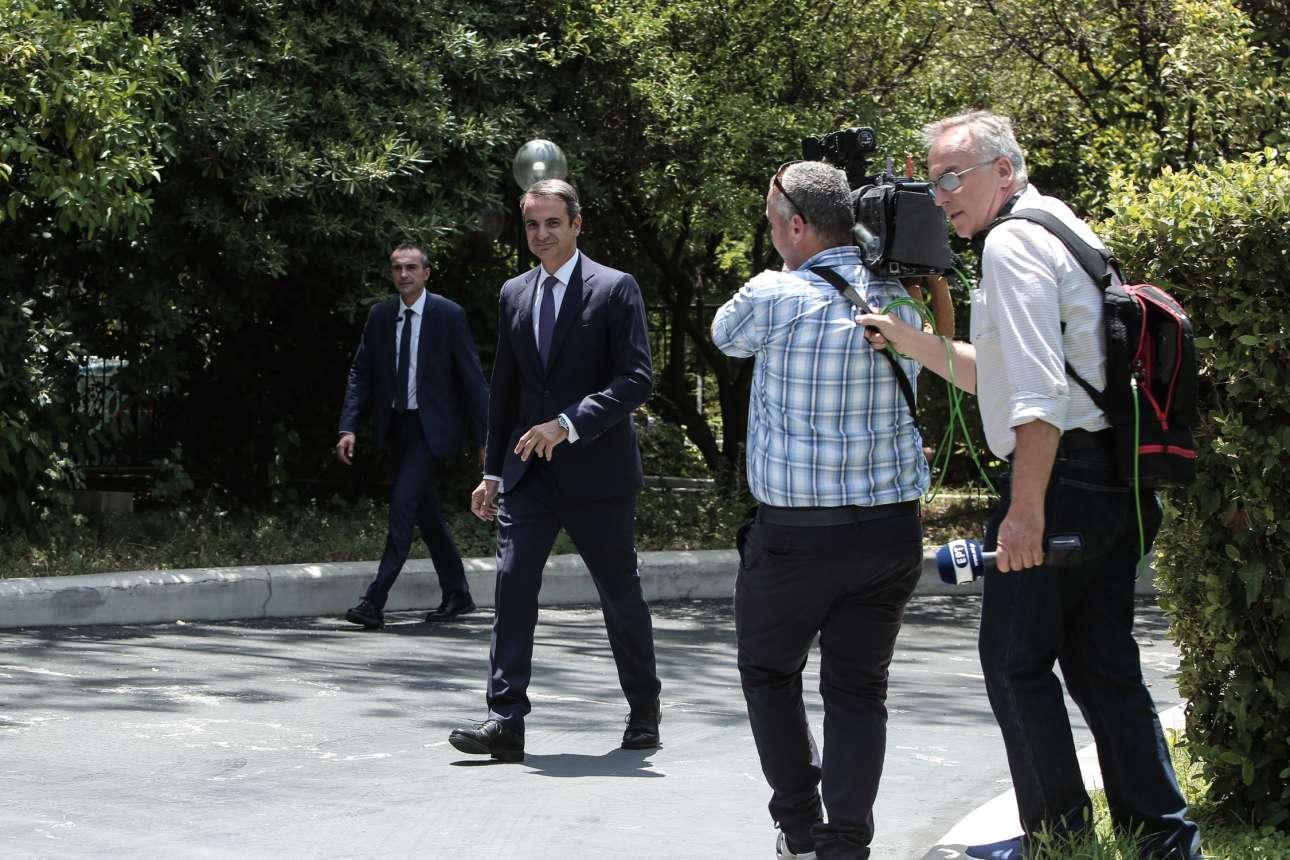 Ο Κυριάκος Μητσοτάκης, νέος Πρωθυπουργός, στην αυλή του Μαξίμου