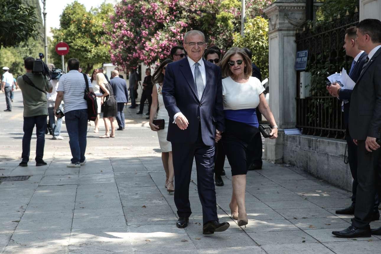 Ο υφυπουργός Εξωτερικών, αρμόδιος για τον απόδημο Ελληνισμό, Αντώνης Διαματάρης έκανε το ταξίδι Νέα Υόρκη - Αθήνα και καταφθάνει για την τελετή ορκωμοσίας