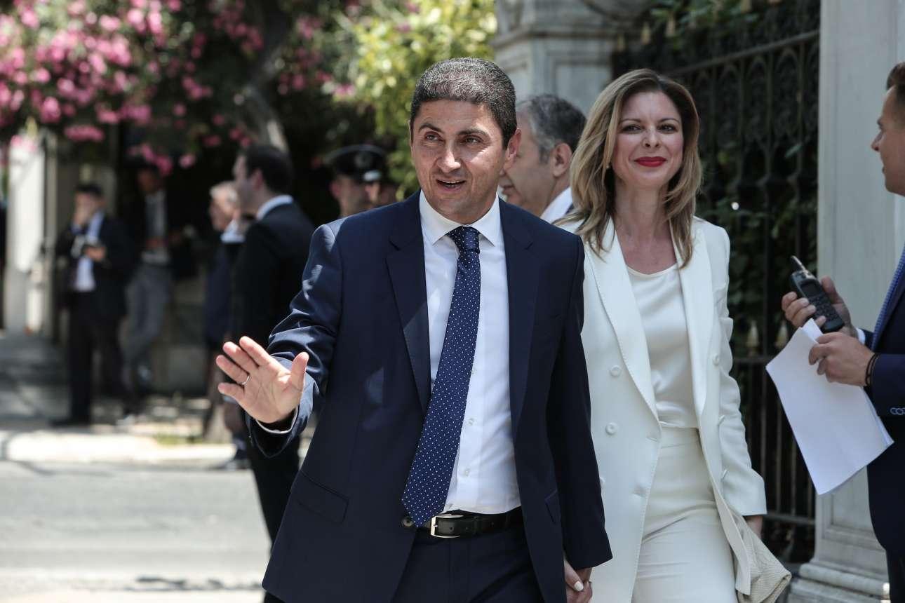 Ο Λευτέρης Αυγενάκης, μέχρι τώρα γραμματέας της ΝΔ, αναλαμβάνει υφυπουργός Αθλητισμού.