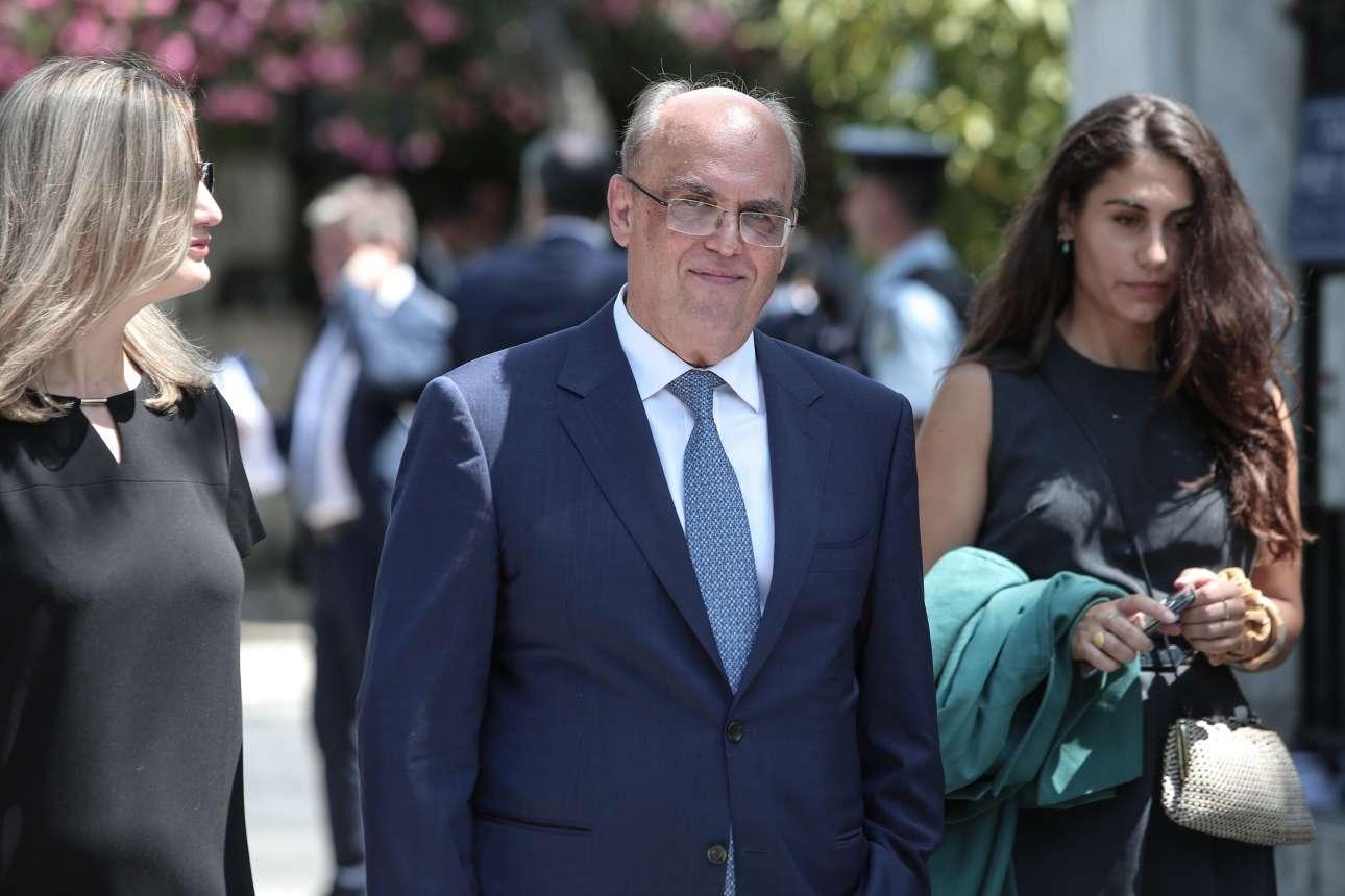 Ο Γεώργιος Ζαββός καταφθάνει στο Προεδρικό για την ορκωμοσία. Αναλαμβάνει υφυπουργός στο εξαιρετικά κρίσιμο πόστο του χρηματοπιστωτικού τομέα