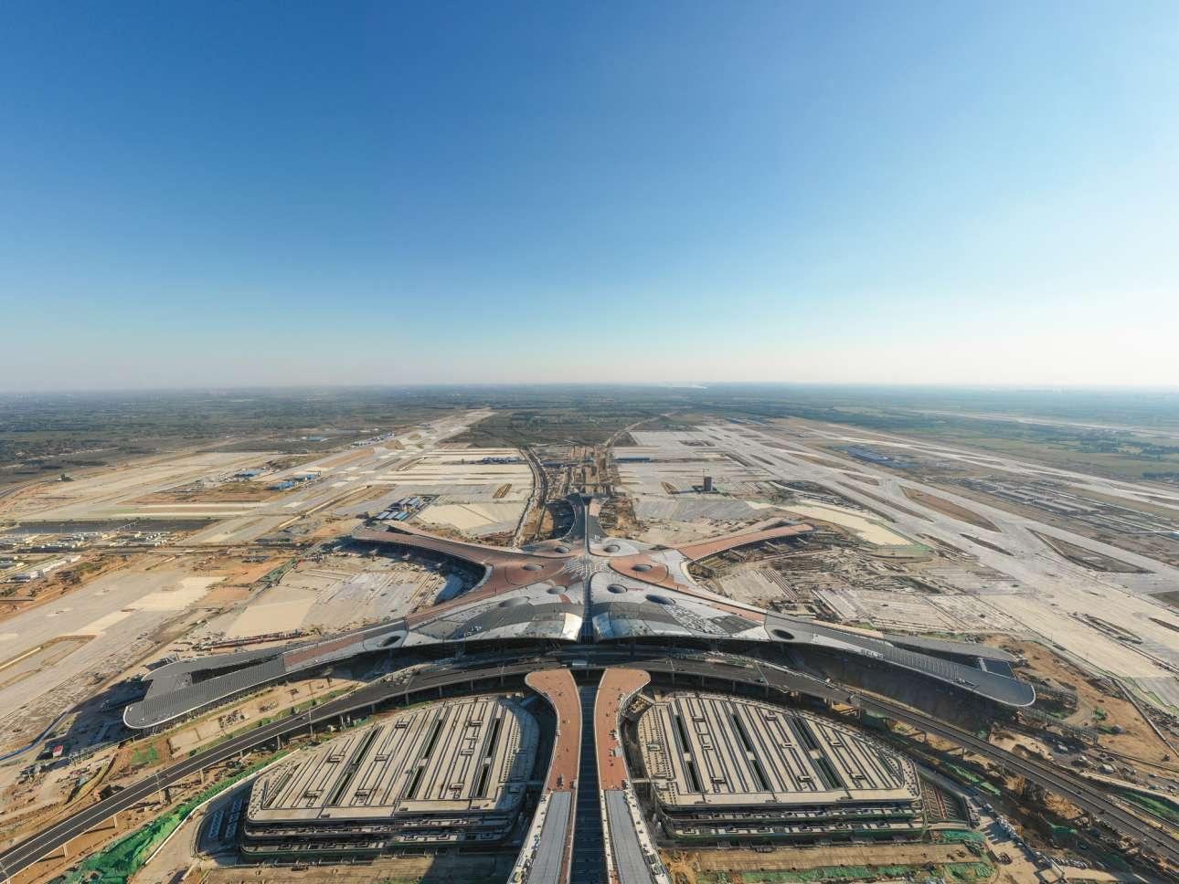 Πολύς ανεκμετάλλευτος χώρος πέριξ του Πεκίνου. «Ο,τι πρέπει» για την κατασκευή ενός μεγάλου αεροδρομίου