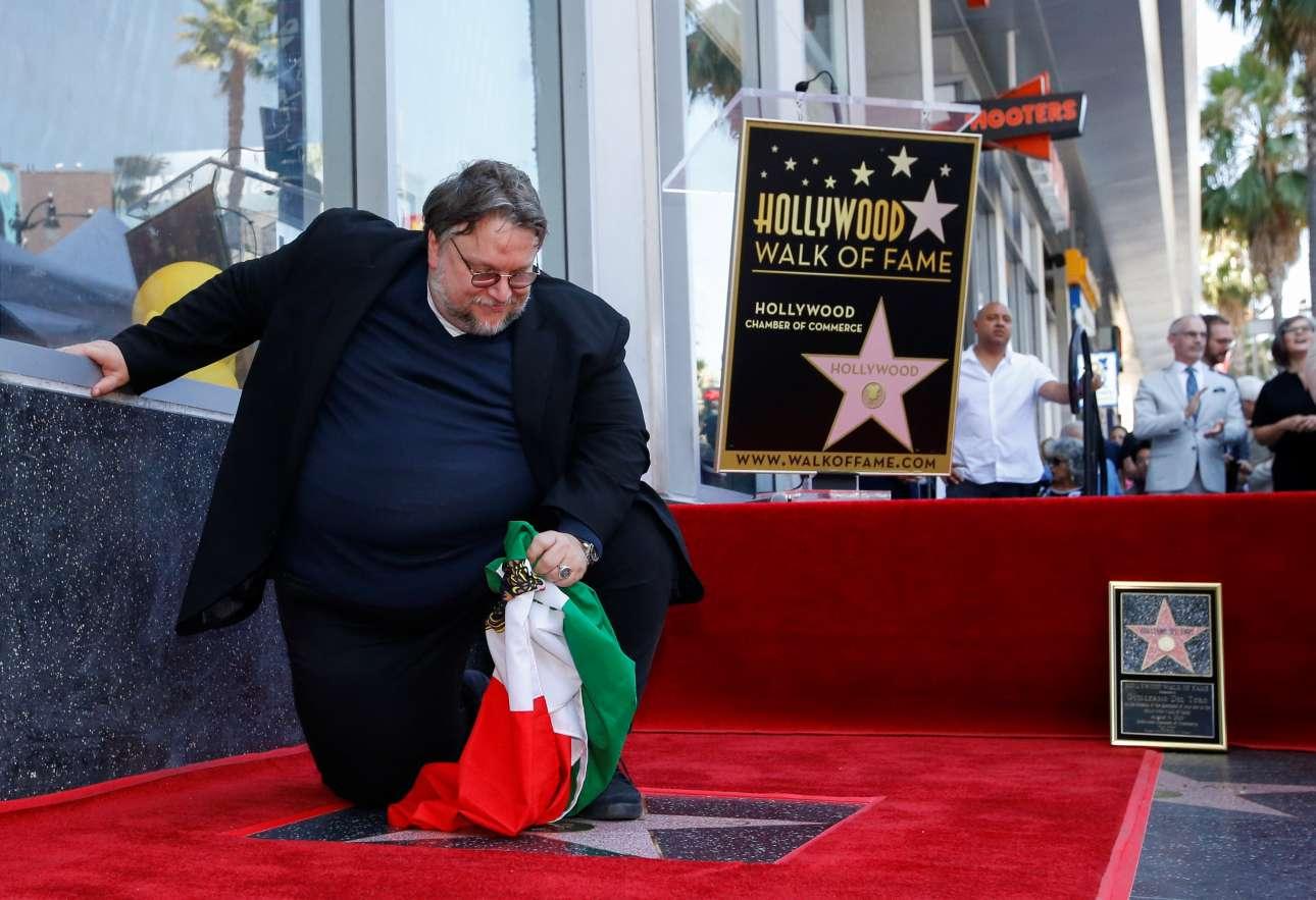 Ο οσκαρικός σκηνοθέτης από το Μεξικό, Γκιγιέρμο Ντελ Τόρο, απέκτησε το δικό του αστέρι στο «Walk of Fame» της Λεωφόρου του Χόλιγουντ (ΗΠΑ)