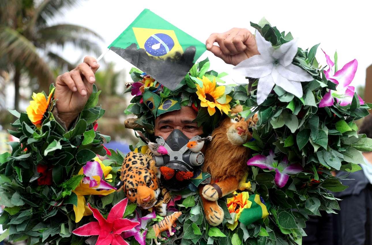 Διαδηλωτής στην Βραζιλία απαιτεί περισσότερη προστασία για το δάσος του Αμαζονίου