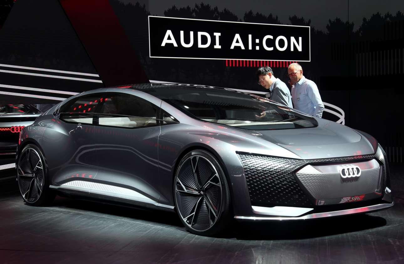 Το μέλλον της Audi θα είναι κάπως έτσι. Τουλάχιστον έτσι το οραματίζεται η εταιρεία με το Audi Aicon, όπως παρουσιάστηκε στο σόου της Φρανκφούρτης