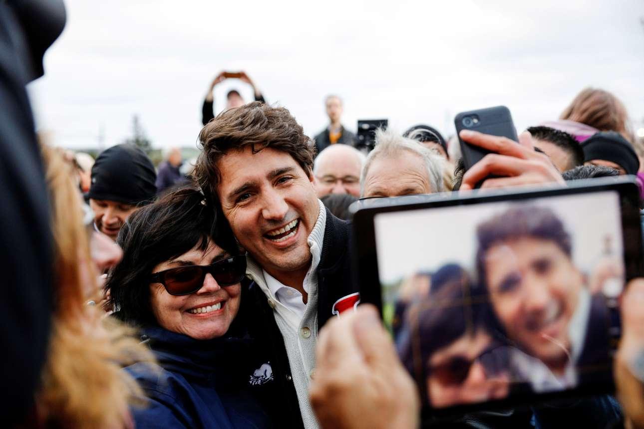 Ο πρωθυπουργός του Καναδά, Τζάστιν Τριντό σε προεκλογική καμπάνια στη Νήσο του Πρίγκιπα Εδουάρδου.