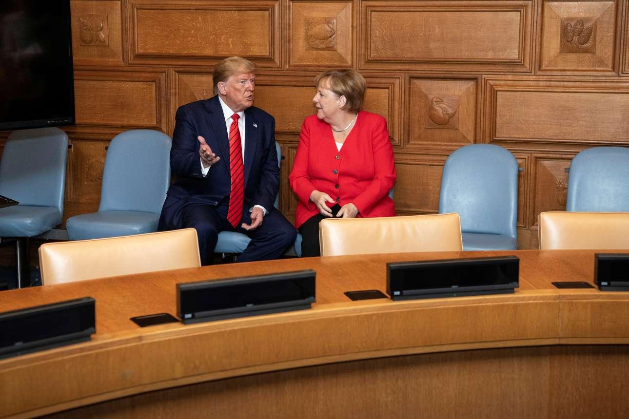 Τραμπ και Μέρκελ τα λένε κατ' ιδίαν και σε φιλικό κλίμα