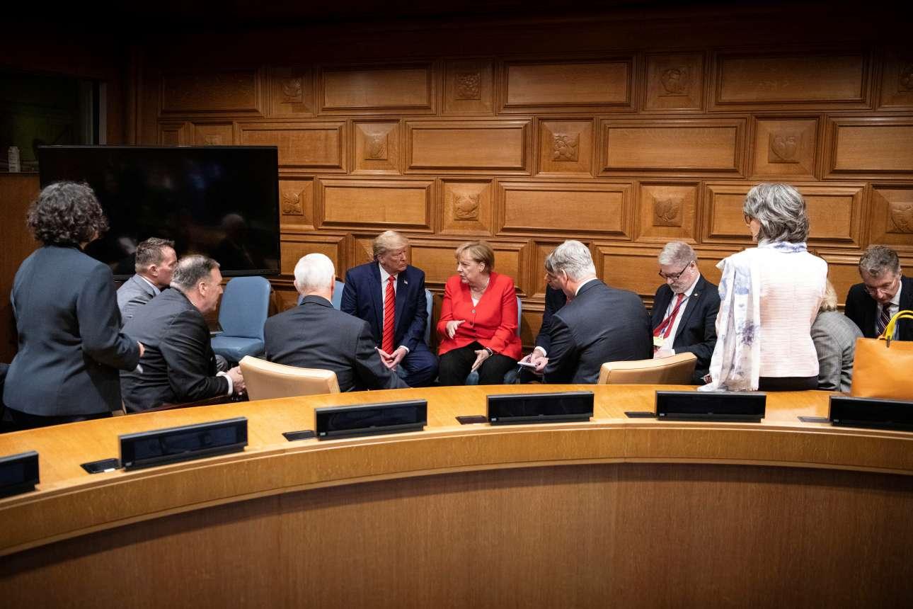 «Πηγαδάκι» με τις αντιπροσωπείες της Γερμανίας και των ΗΠΑ και τους δυο ηγέτες στη μέση