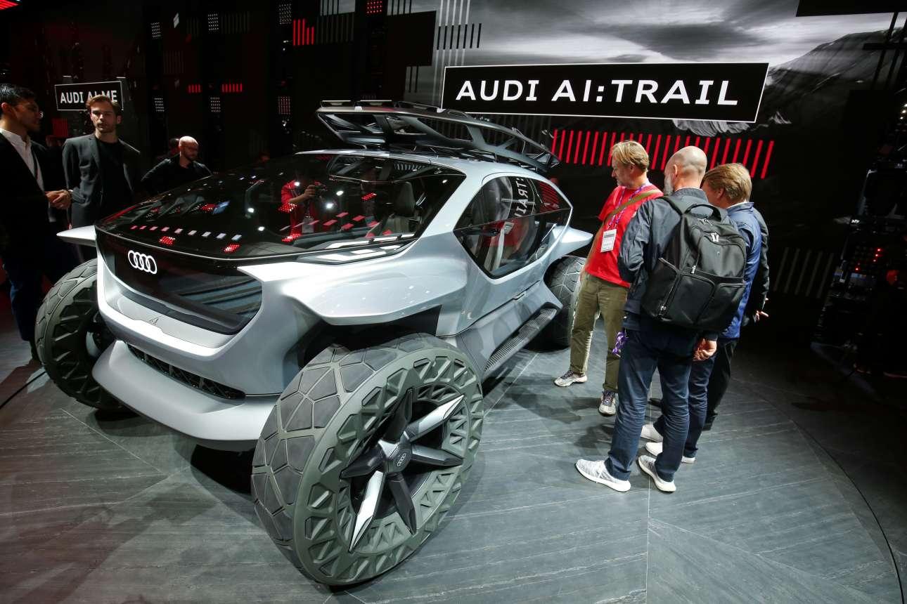 Το Audi AI:TRAIL quattro είναι το τέταρτο μέλος της γκάμας των πρωτότυπων με ηλεκτρικό σύστημα κίνησης της Audi και υπηρετεί το concept των βιώσιμων συστημάτων κίνησης και των αμαξωμάτων του μέλλοντος