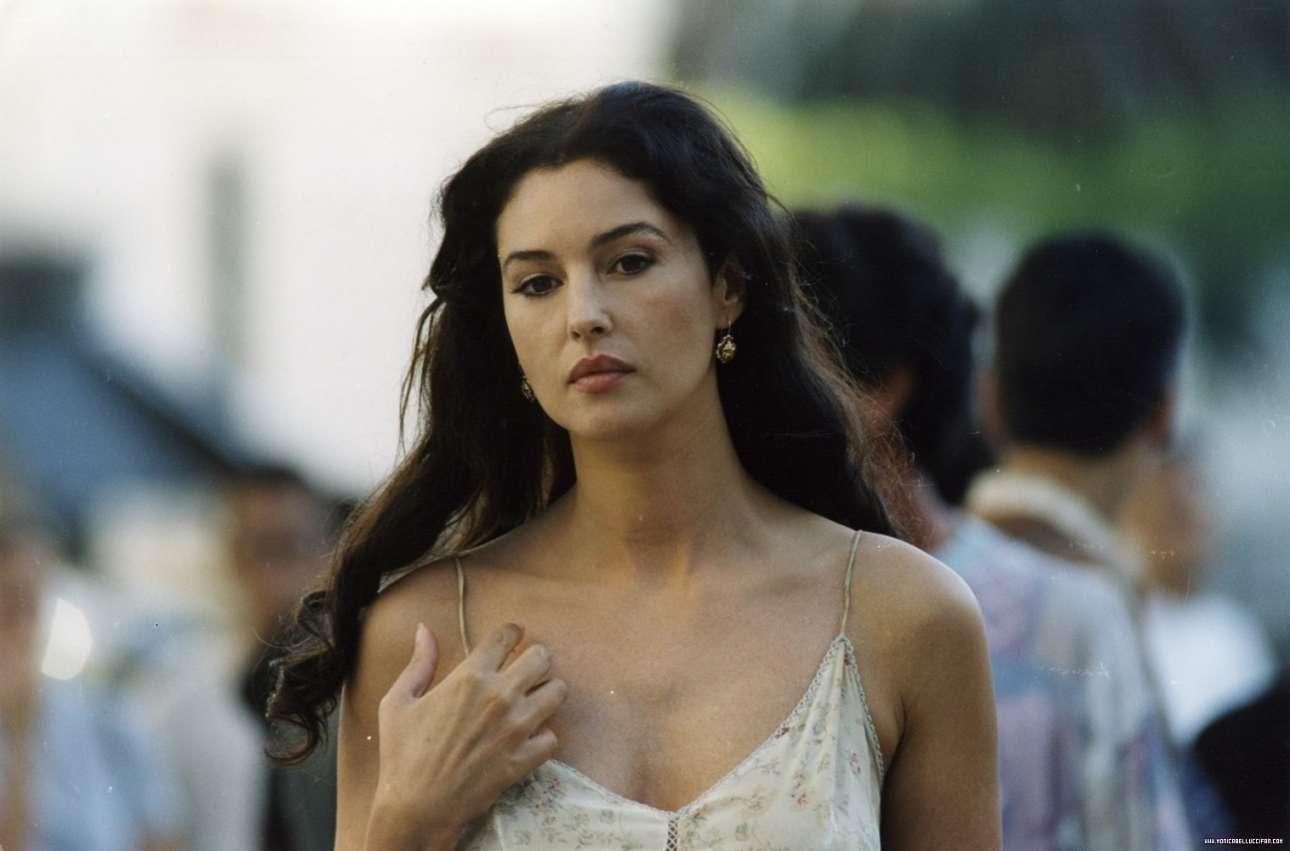Στη «Μαλένα» (2000) του Τζουζέπε Τορνατόρε