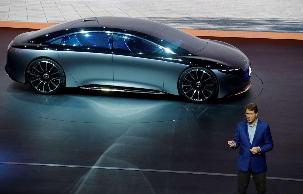 O διευθύνων σύμβουλος της Mercedes-Benz AMG Ολα Καλένιους δεν θα μπορούσε να απουσιάζει από το event και να μην παρουσιάσει ένα από τα νέα μοντέλα της εταιρείας του