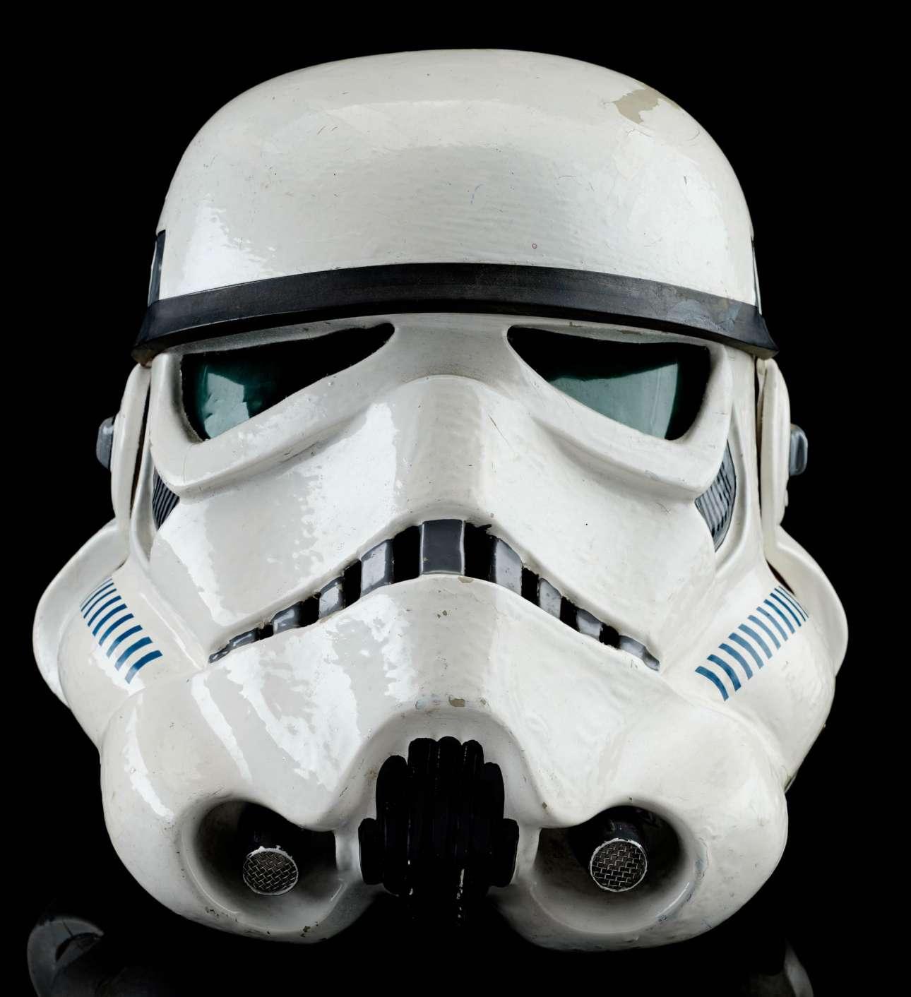 Από τα πιο ακριβά αντικείμενα της δημοπρασίας, το κράνος των Stormtroopers από την ταινία ο Πόλεμος των Αστρων του Τζορτζ Λούκας, το οποίο αναμένεται να δημοπρατηθεί στα 200.000 ευρώ