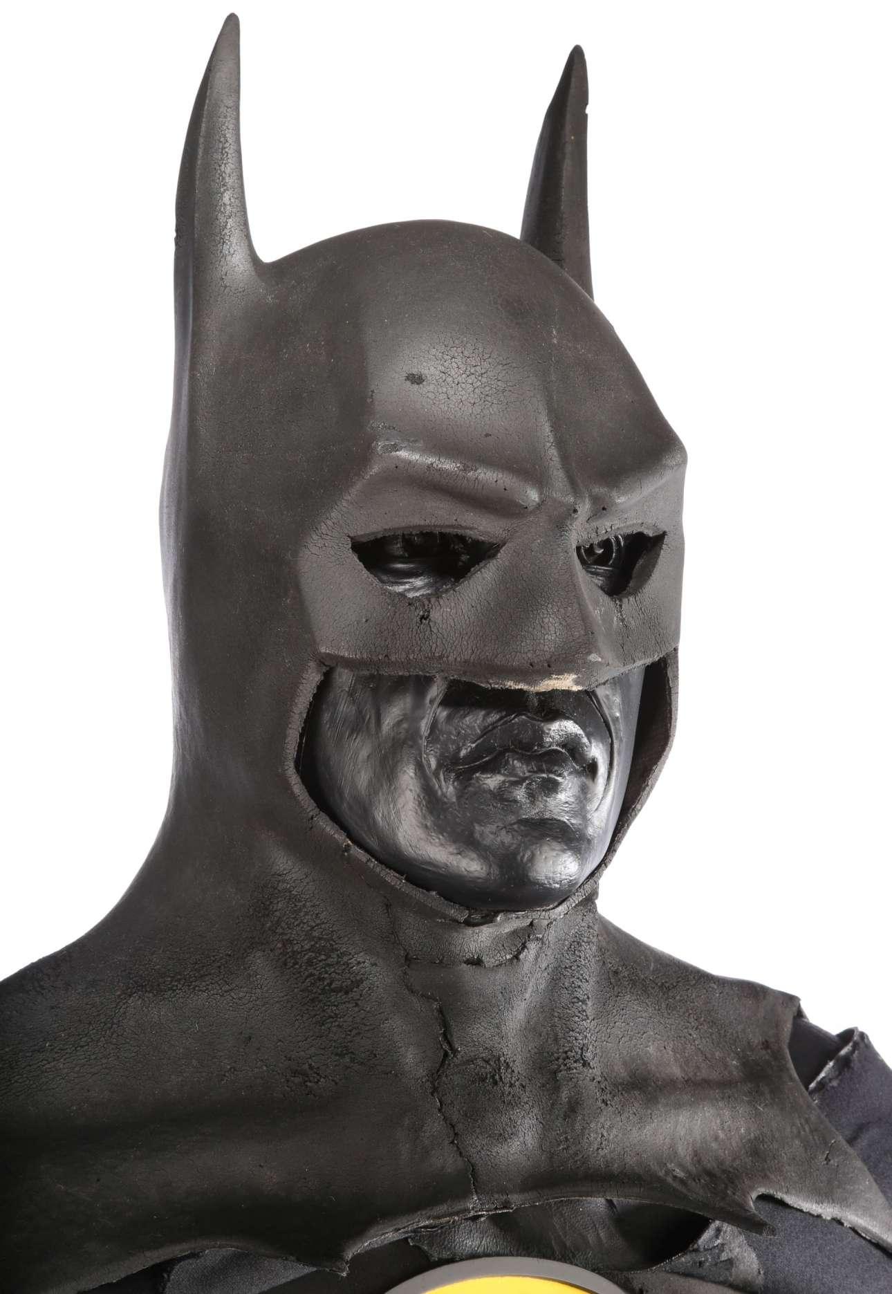 Από 90.000 έως 130.000 ευρώ αναμένεται να συγκεντρώσει η στολή του Μπάτμαν που φόρεσε ο Μάικλ Κίτον στην ομώνυμη ταινία του Τιμ Μπάρτον