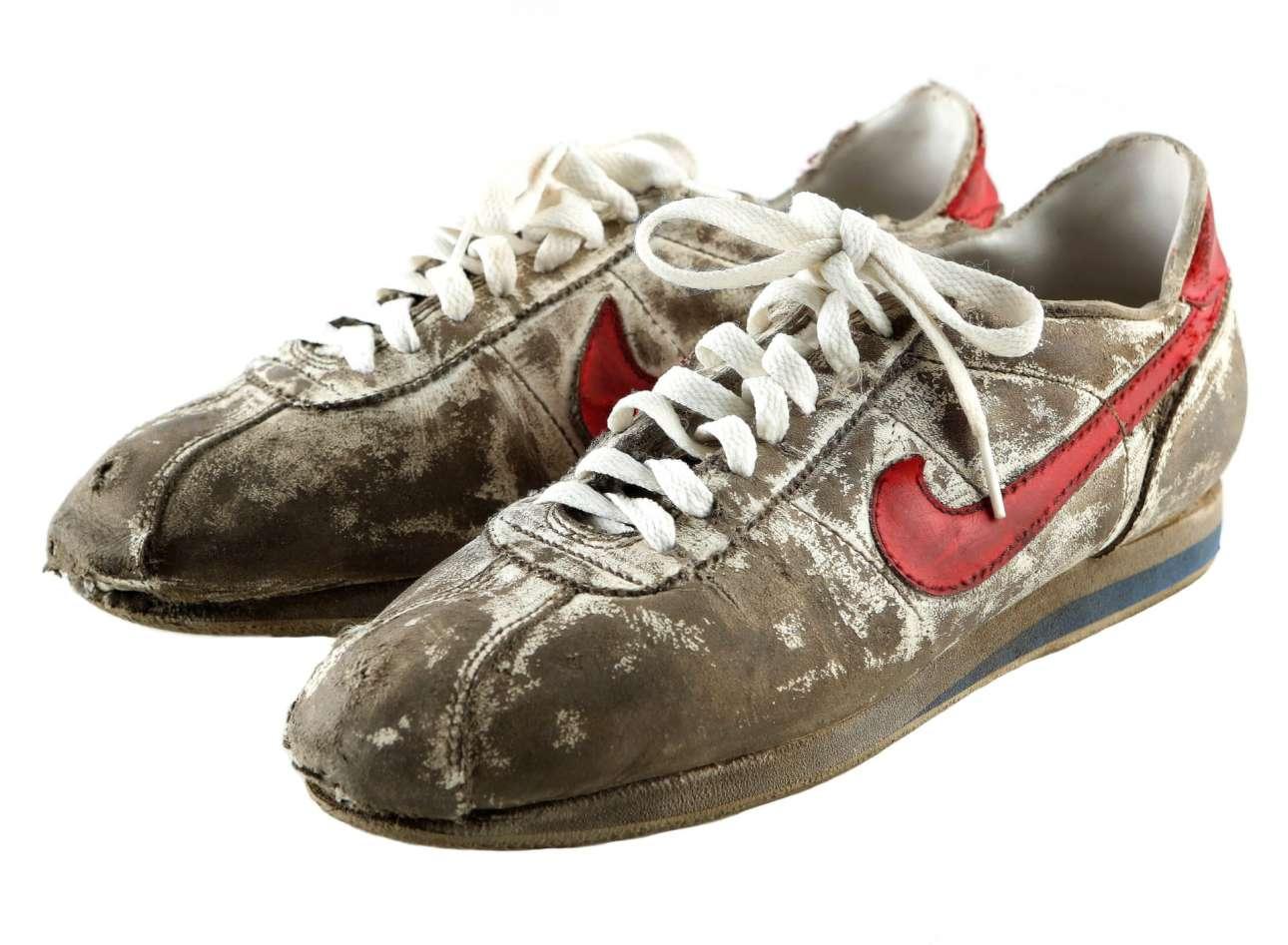 Ποιος μπορεί να ξεχάσει την ατάκα «Run Forrest, Run» («Τρέξε Φόρεστ») από το επικό «Φόρεστ Γκαμπ»; Κανείς. Mάλλον ούτε και τα παπούτσια του που εκτιμώνται στα 10.000 ευρώ