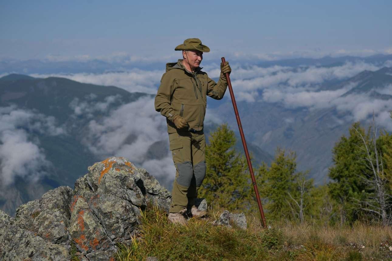 Μακριά από τη Μόσχα, στα απόκρημνα βουνά της Σιβηρίας βρέθηκε ο ρώσος πρόεδρος
