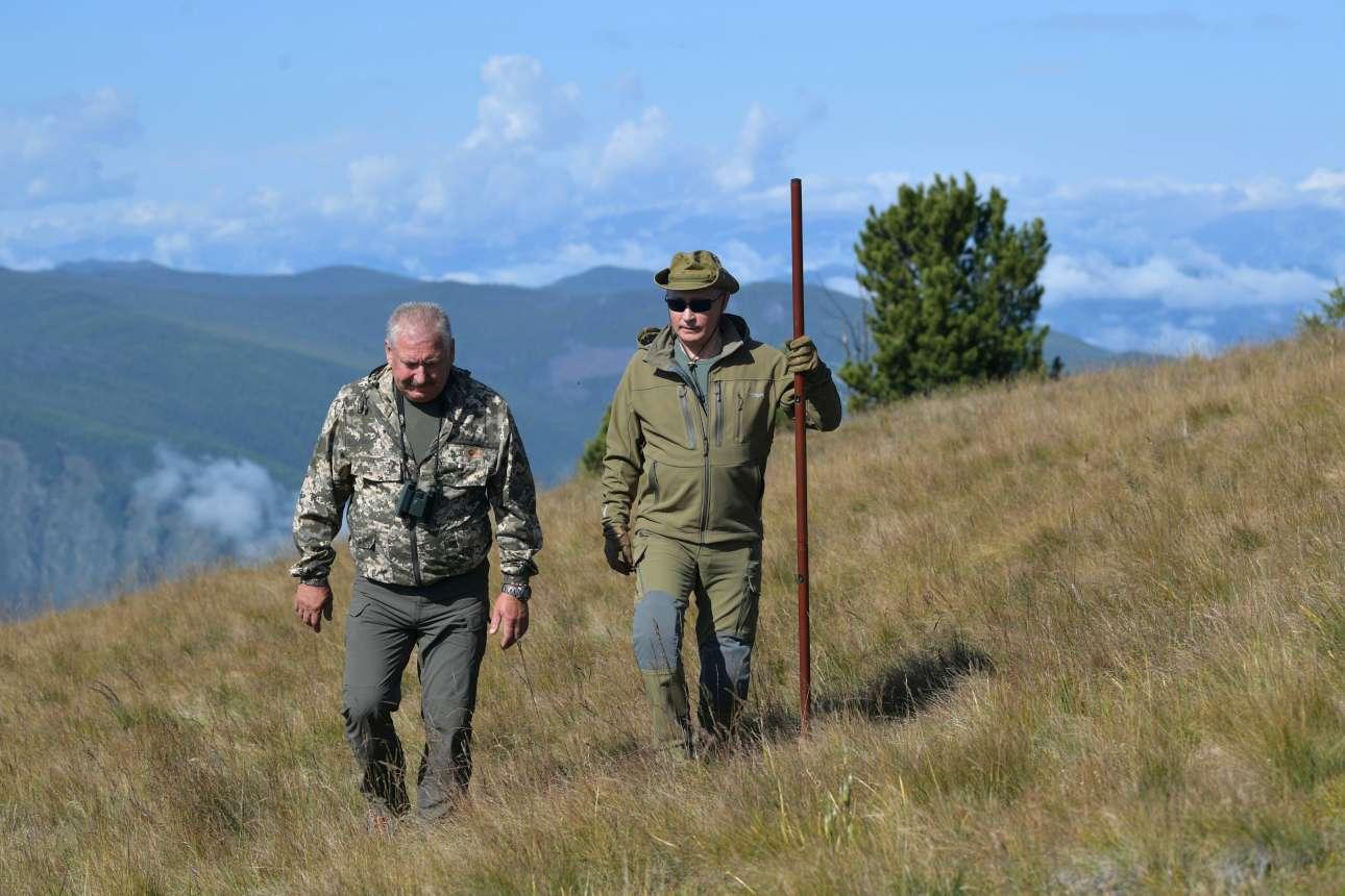 Μόνιμος συνοδός του στις σύντομες διακοπές του στη Σιβηρία ο υπουργός Αμυνας της Ρωσίας Σεργκέι Σόιγκου