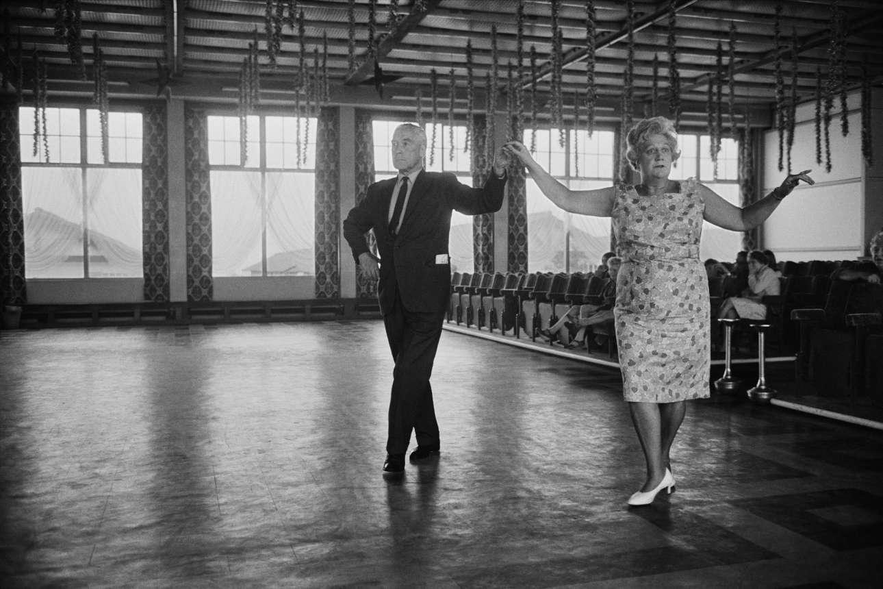 Αίθουσα χορού στο παραθαλάσσιο θέρετρο Butlins το 1968