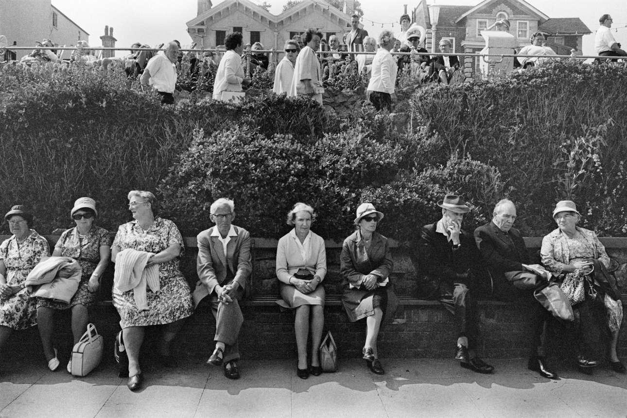 Φωτογραφία αγνώστων στοιχείων, από τα τέλη της δεκαετίας του 1960