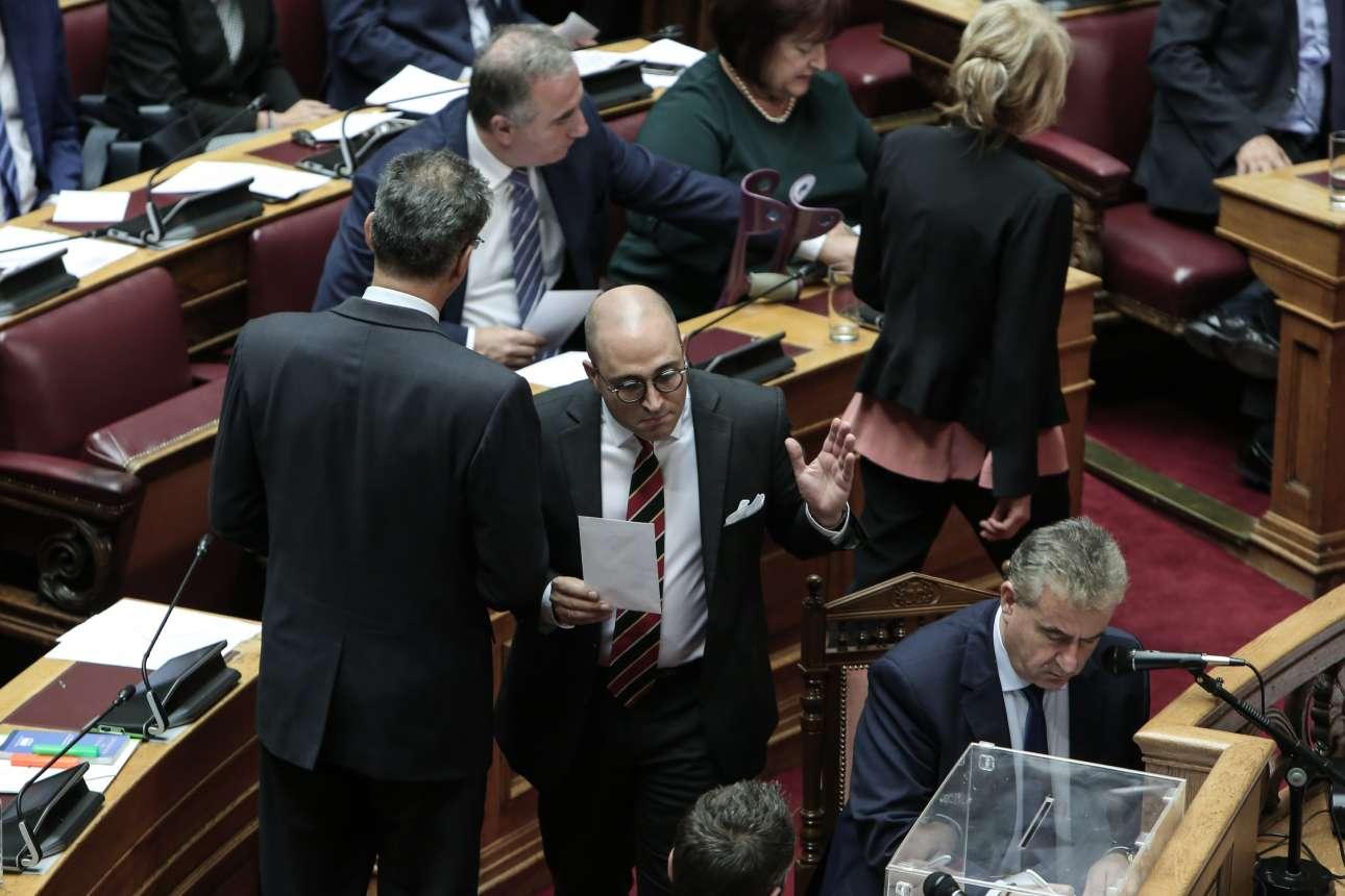 Ο Κωνσταντίνος Μπογδάνος –ένα πρόσωπο των ημερών όχι ακριβώς για τους σωστούς λόγους– πάει να ψηφίσει