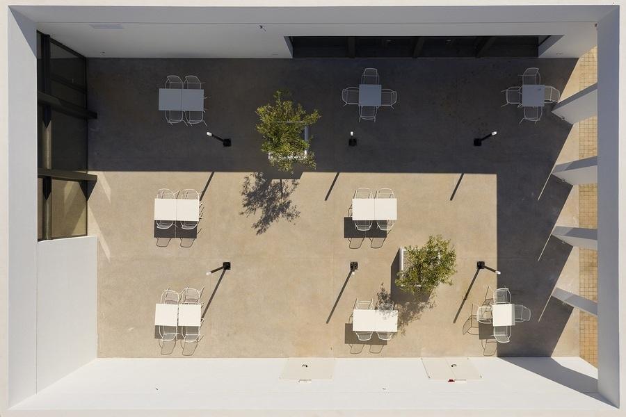 Το αίθριο του Κέντρου Αποτέφρωσης φωτογραφημένο από ψηλά