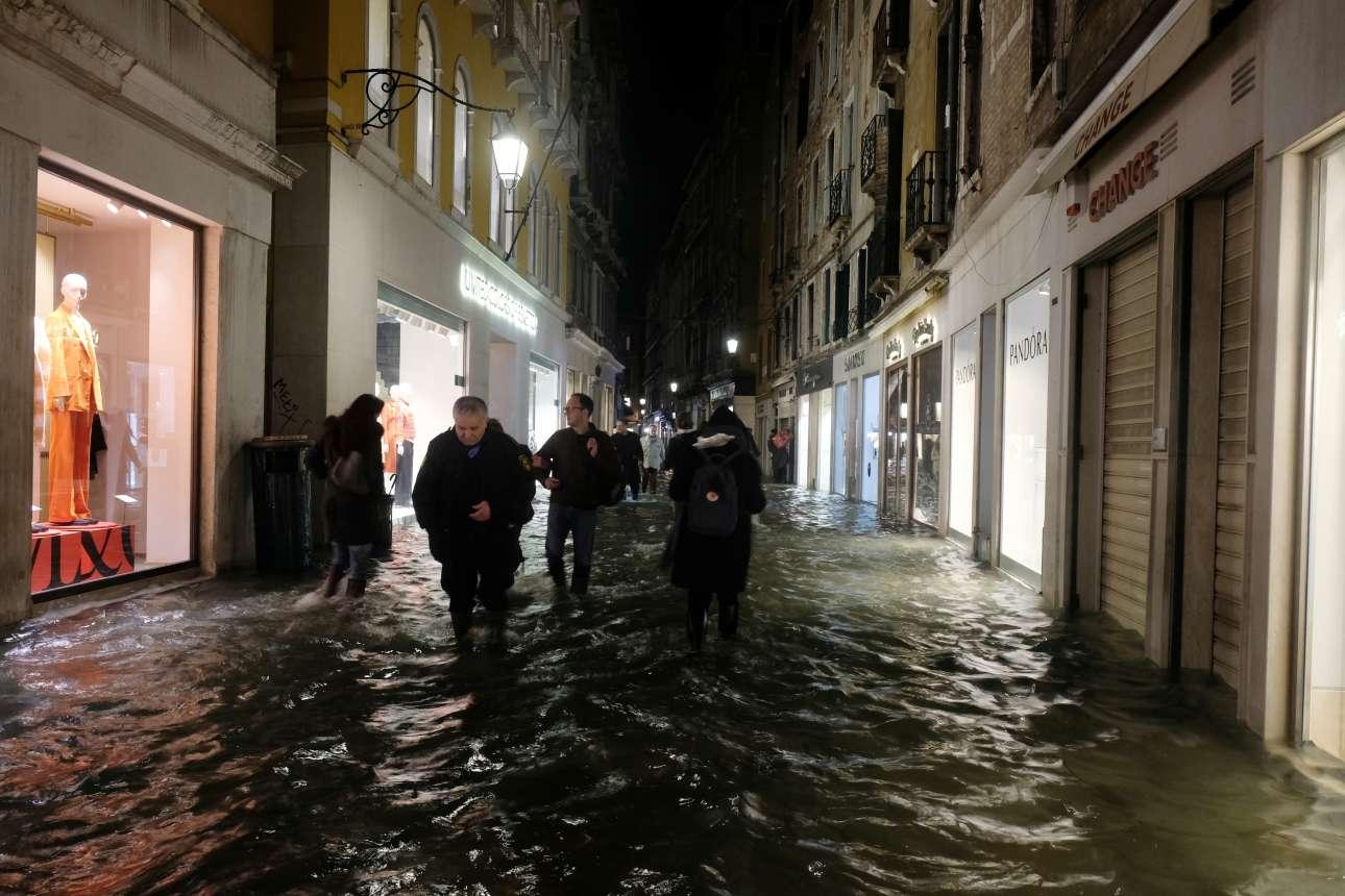 Μια όχι και τόσο απλή βόλτα στα στενά της Βενετίας