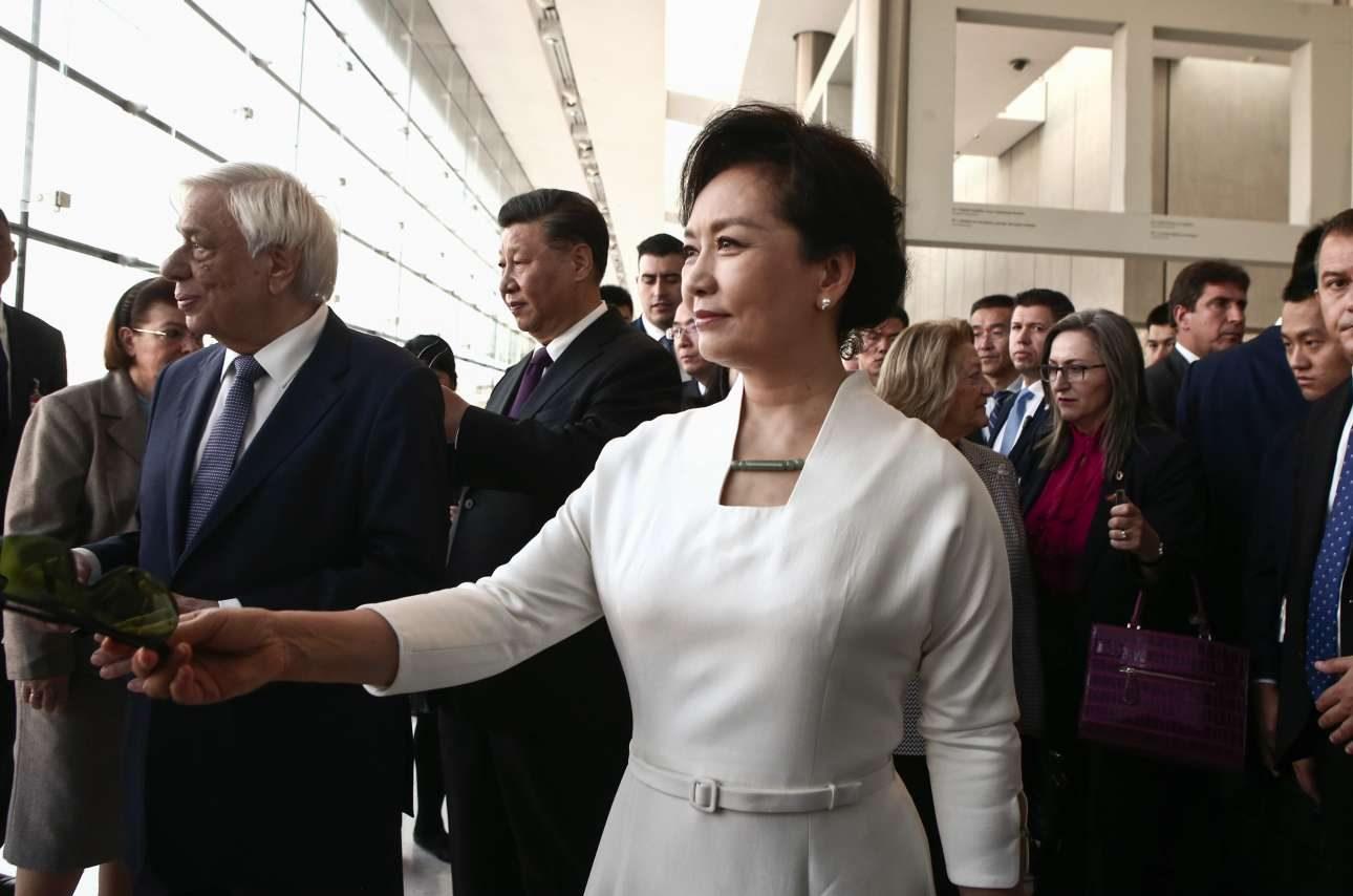 Η κομψή σύζυγος του κινέζου ηγέτη, η οποία στο παρελθόν ήταν σοπράνο