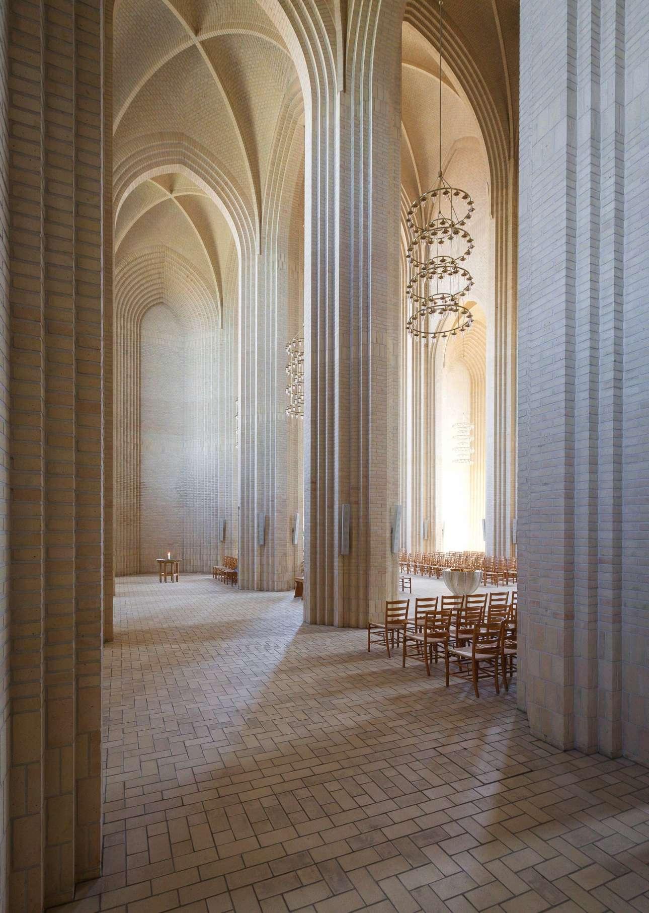 «Εκκλησία Grundtvig», Κοπεγχάγη, Δανία, γραφείο Peder Jensen-Klint, στην κατηγορία «Εσωτερικοί χώροι»