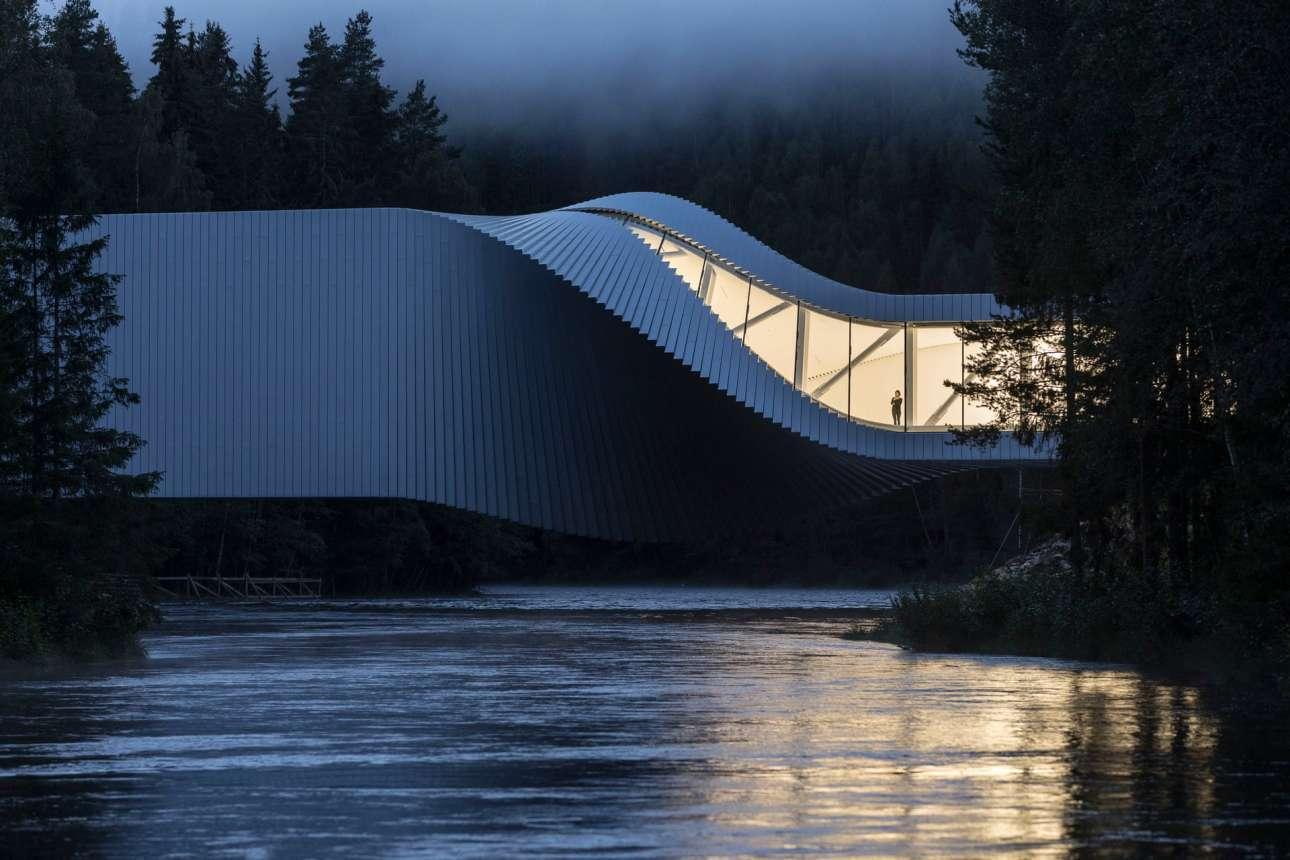 «The Twist Museum», Πάρκο Γλυπτικής Kistefos, Γιεβνάκερ, Νορβηγία, γραφείο Bjarke Ingels Group, στην κατηγορία «Εξωτερική όψη»