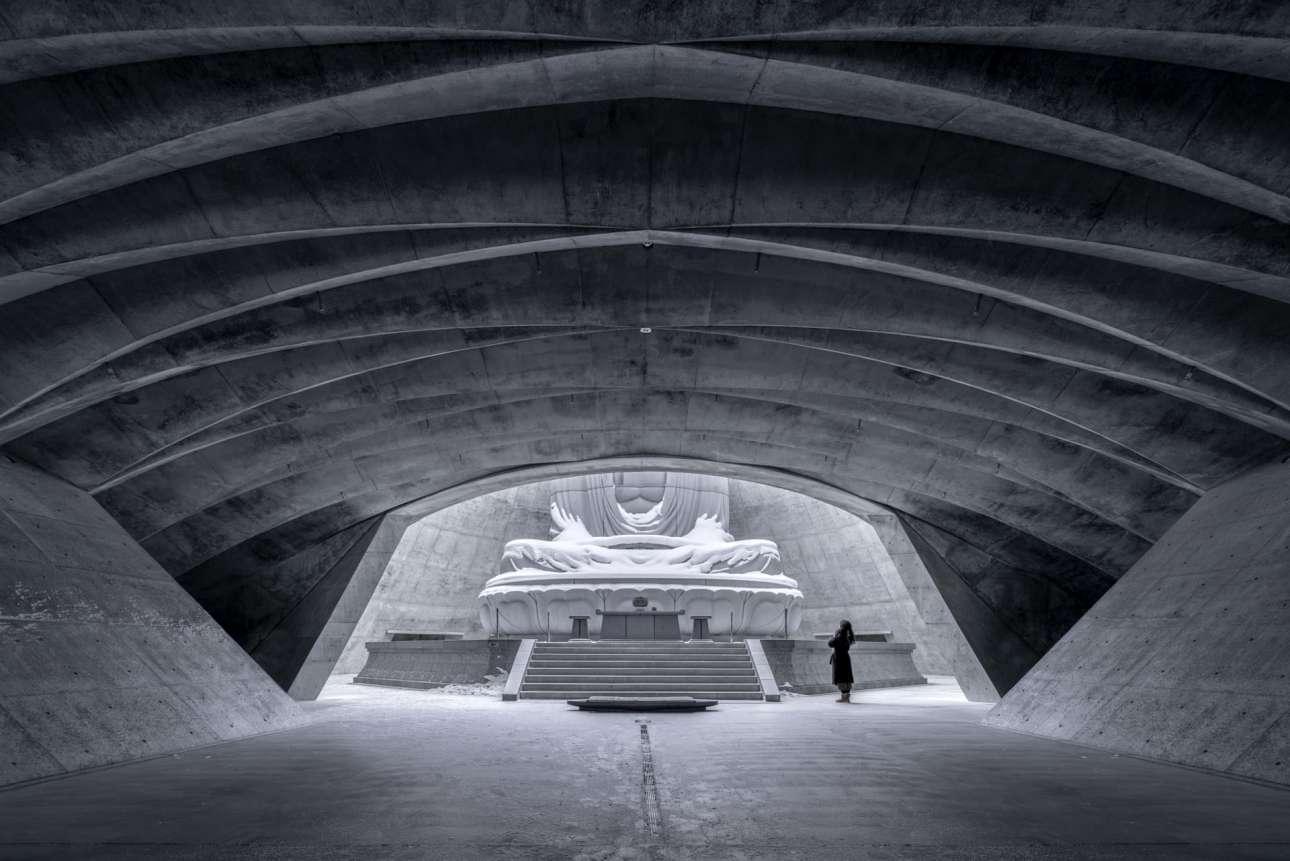 «Ο λόφος του Βούδα», Νεκροταφείο Makomanai Takino , Σαπόρο, Ιαπωνία, γραφείο Tadao Ando, στην κατηγορία «Εσωτερικοί χώροι»