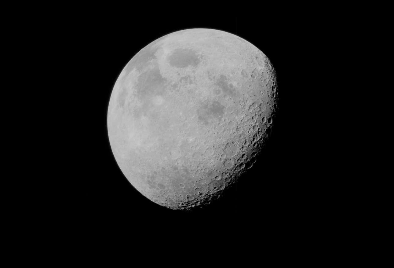 Οι αστροναύτες αποχωρούν από τη Σελήνη και τη φωτογραφίζουν κατά την επιστροφή τους στη Γη