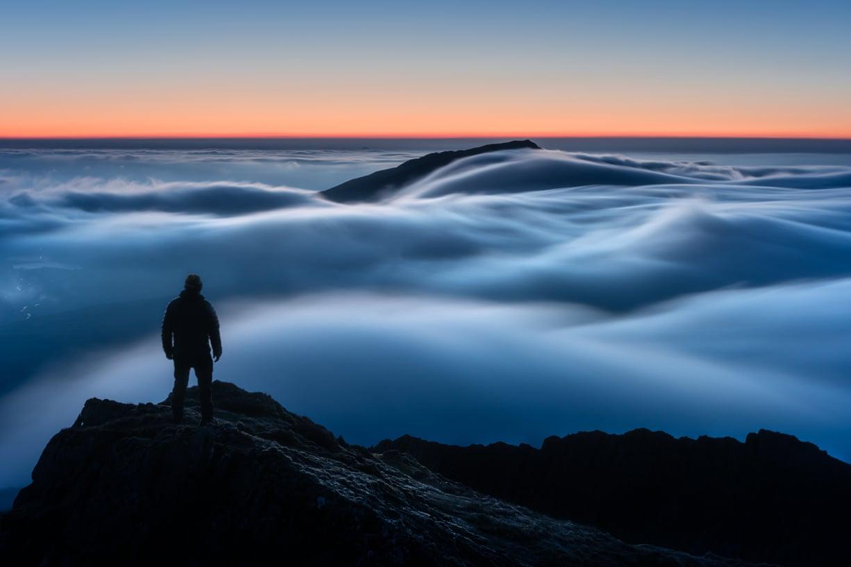 Η εικόνα με την αυγή πάνω από το εθνικό πάρκο Snowdonia στην Ουαλία ανακηρύχθηκε η καλύτερη του διαγωνισμού