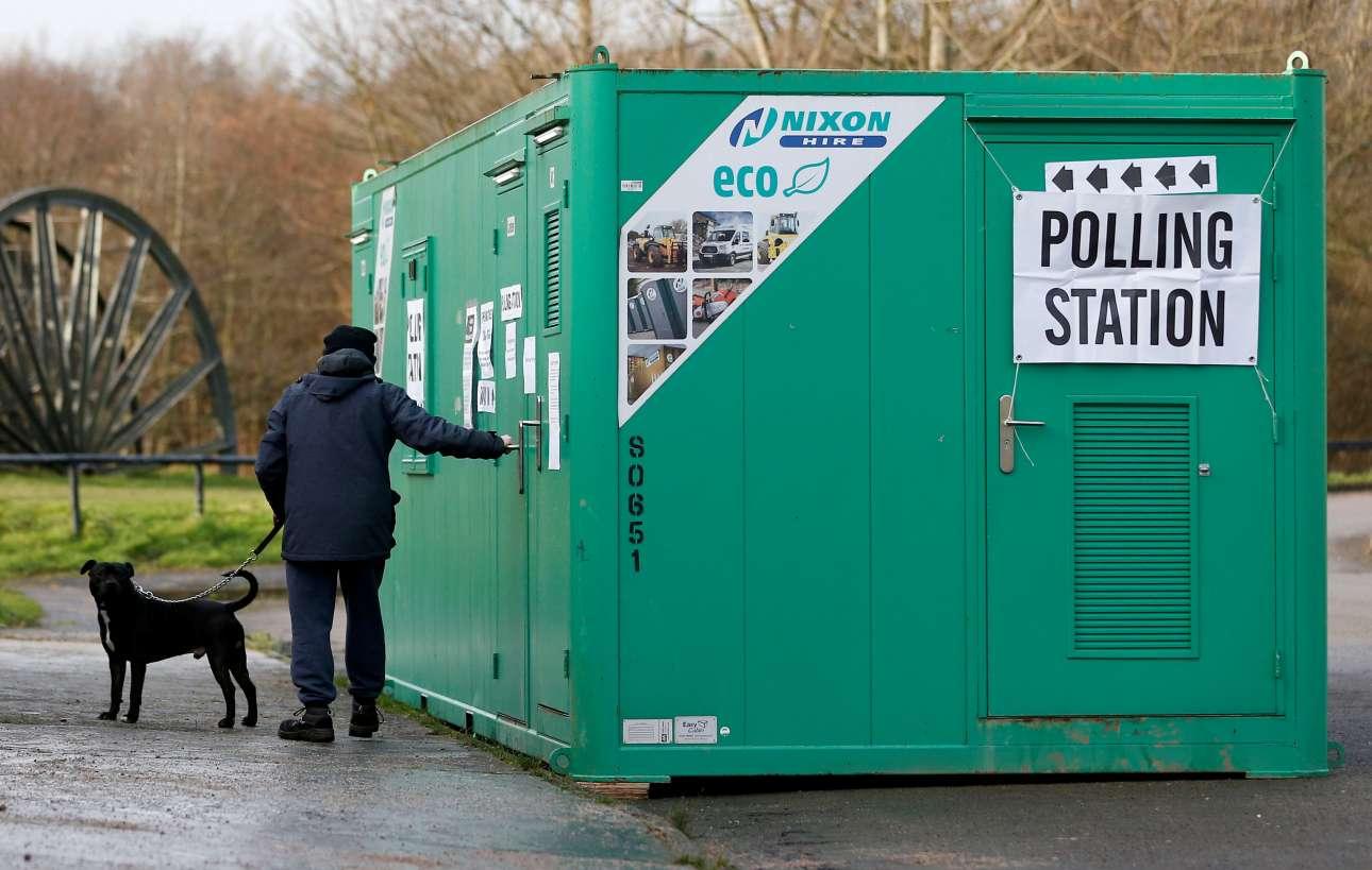 Ενα κοντέινερ χρησιμεύει ως εκλογικό τμήμα στο Σάντερλαντ