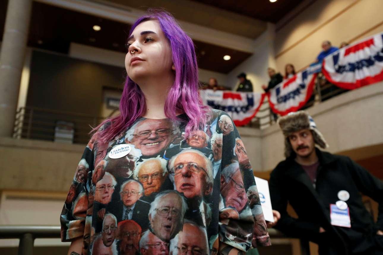 Αϊόβα, ΗΠΑ: «γκρούπι» του γερουσιαστή Μπέρνι Σάντερς, διαθέτουσα εξτρεμιστικά κακό γούστο, επιδεικνύει τη στήριξή της στον αγώνα του για το προεδρικό χρίσμα των Δημοκρατικών